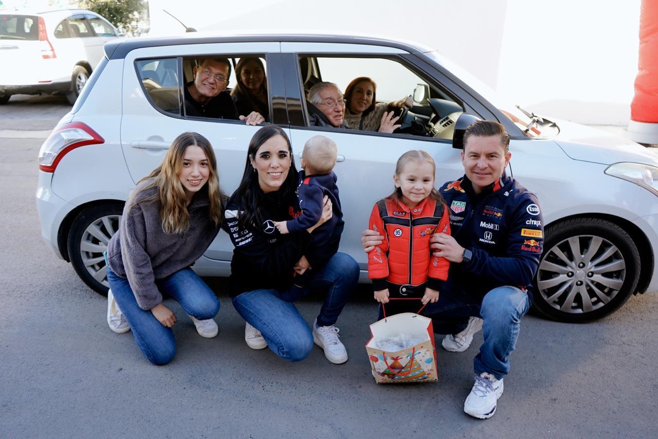 Con la familia Treviño García.