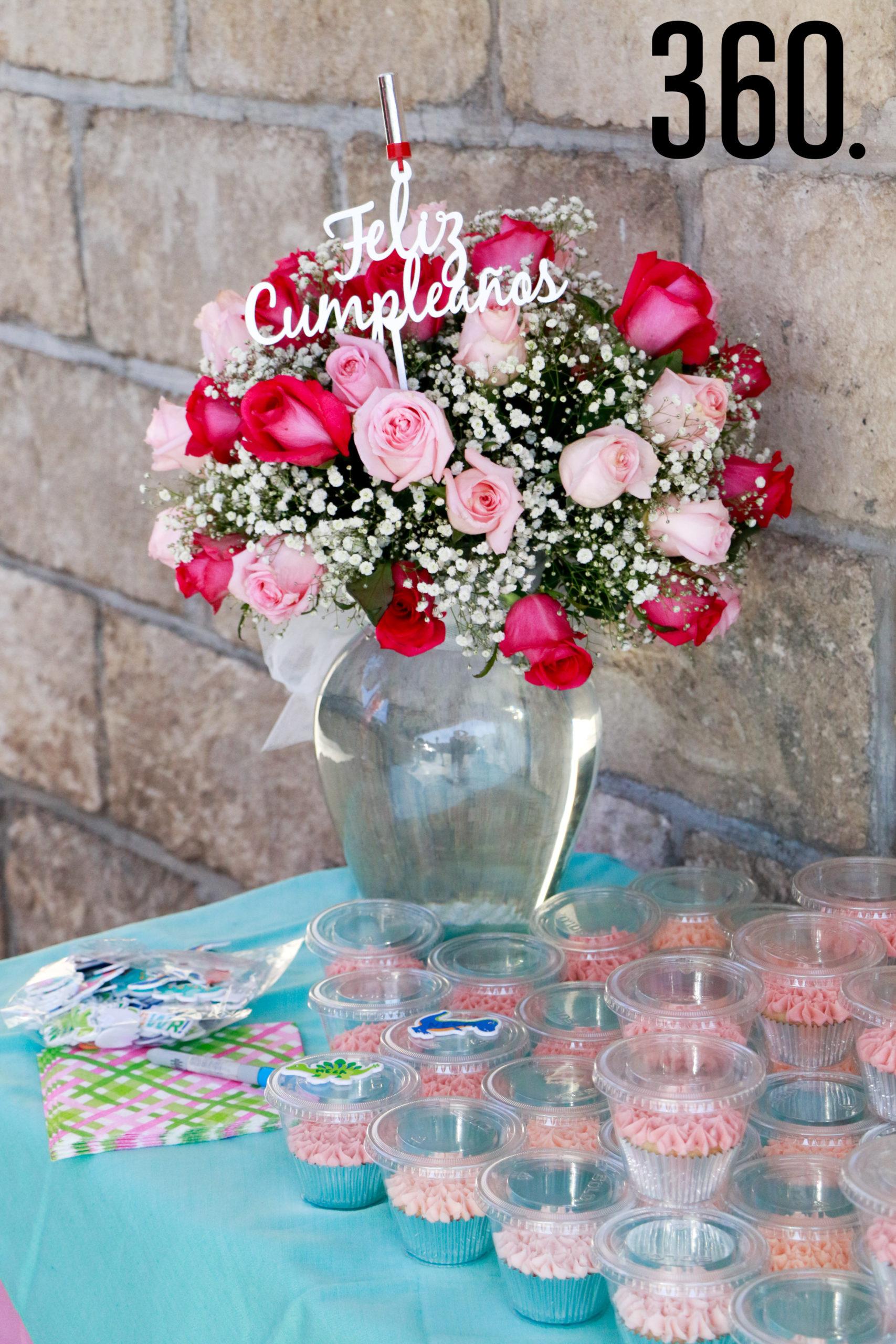 El hogar de la señora Castilla de Dewey fue decorado con globos y flores.