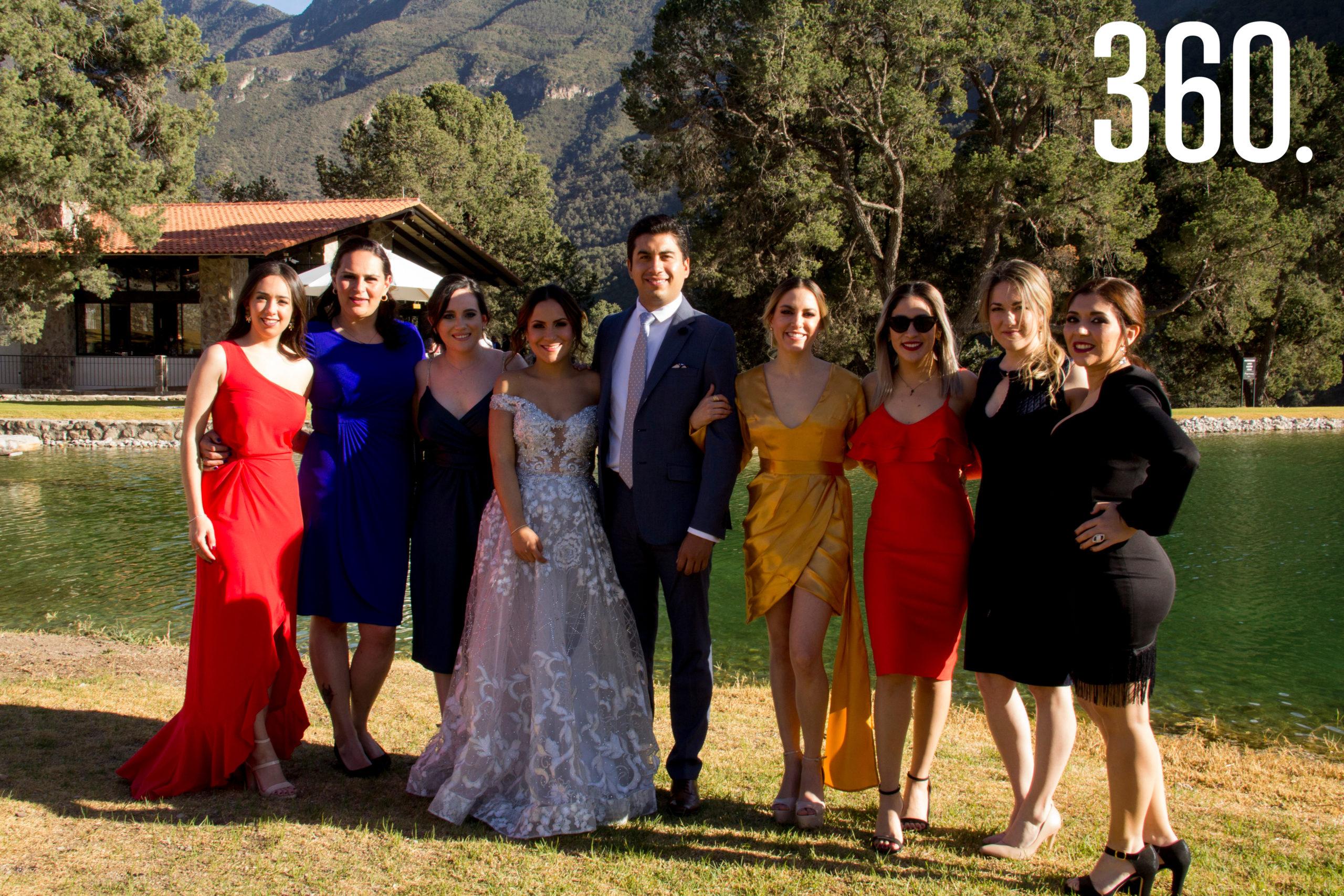 Fernanda y Alexis junto a sus amigas en Terra Serena.