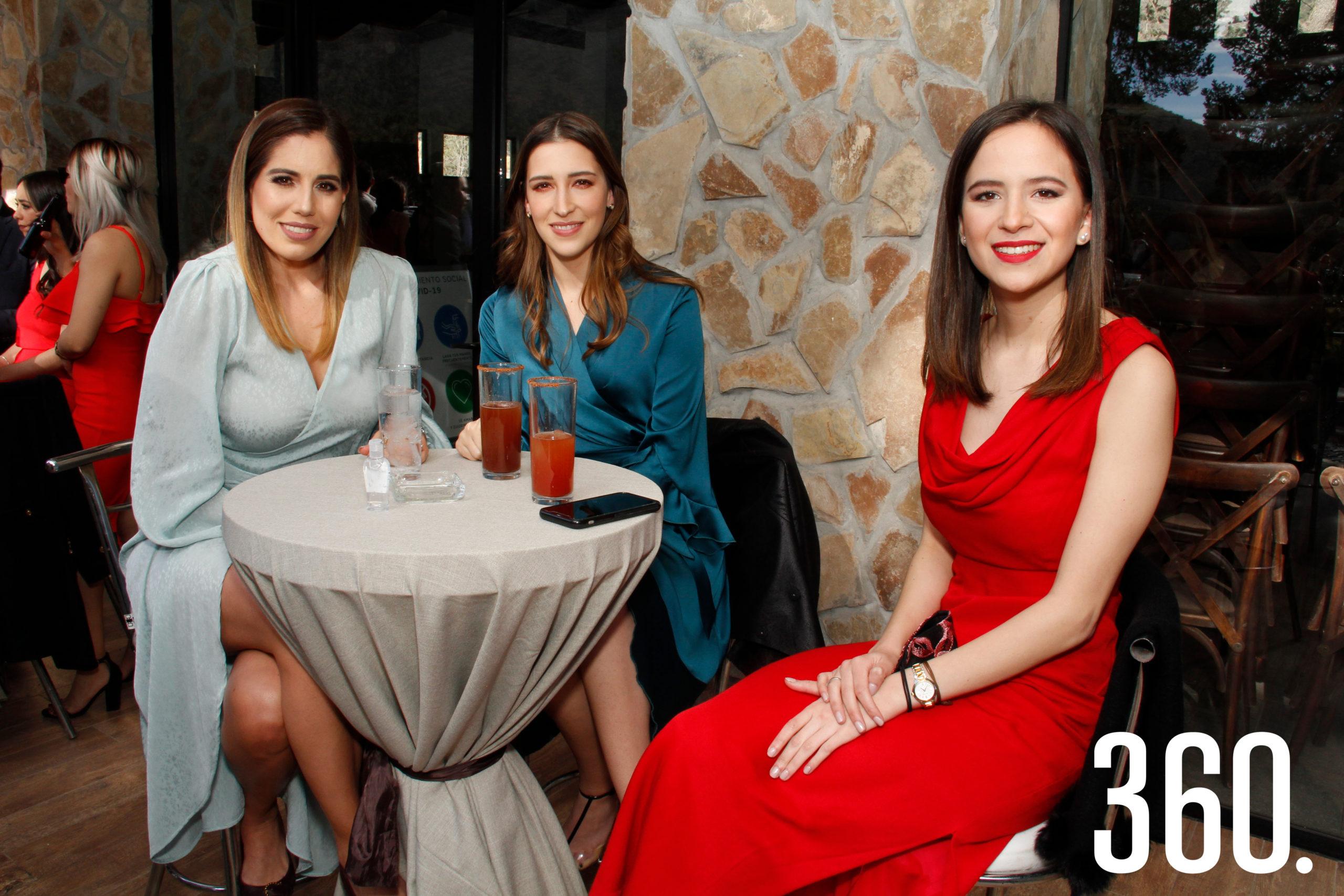 Felissa Guerra, Bárbara C. y Sofía Gutiérrez.