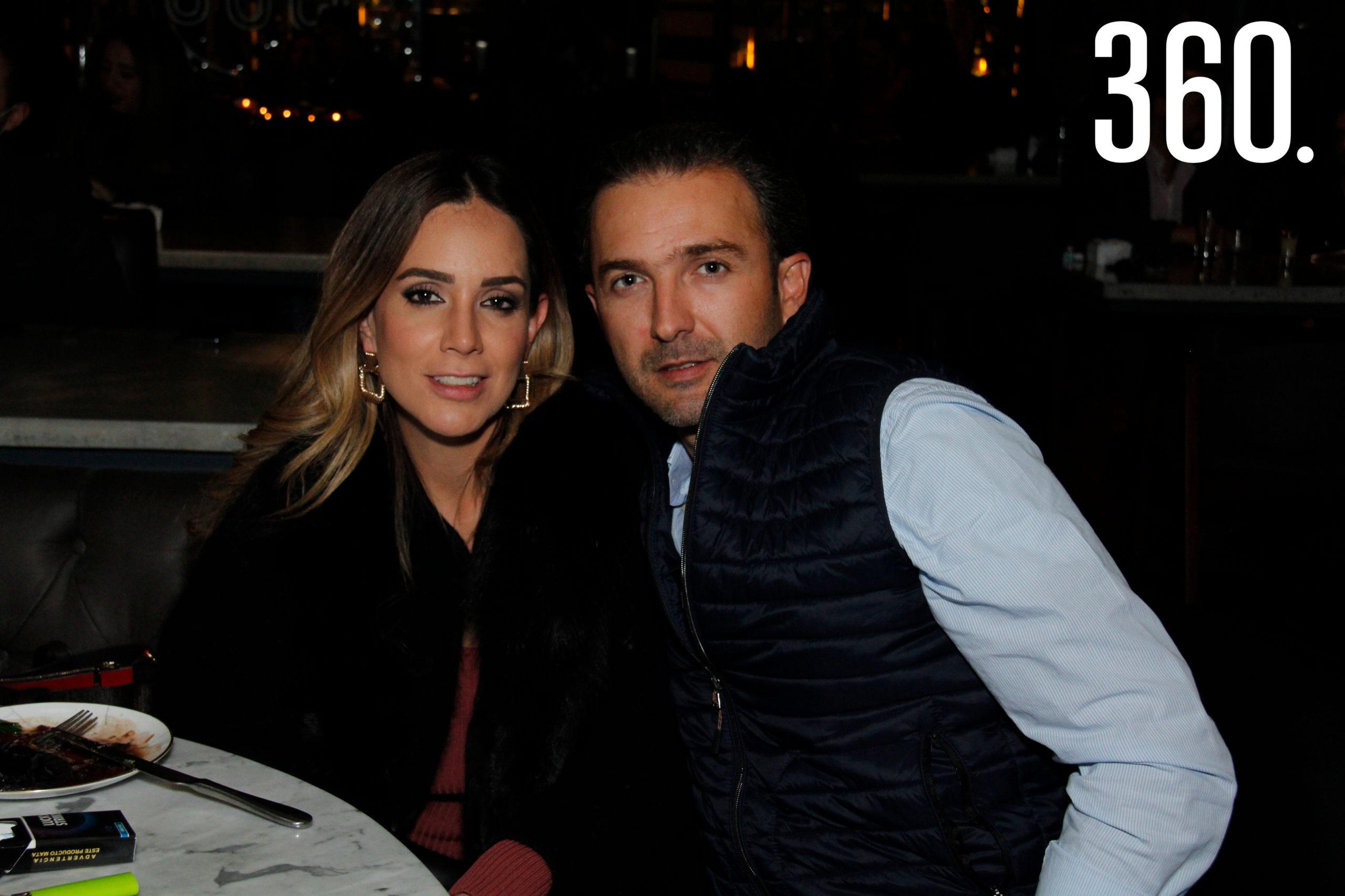 Carlos y Lily Arzamendi celebraron su amor en el restaurante El Tapanco.