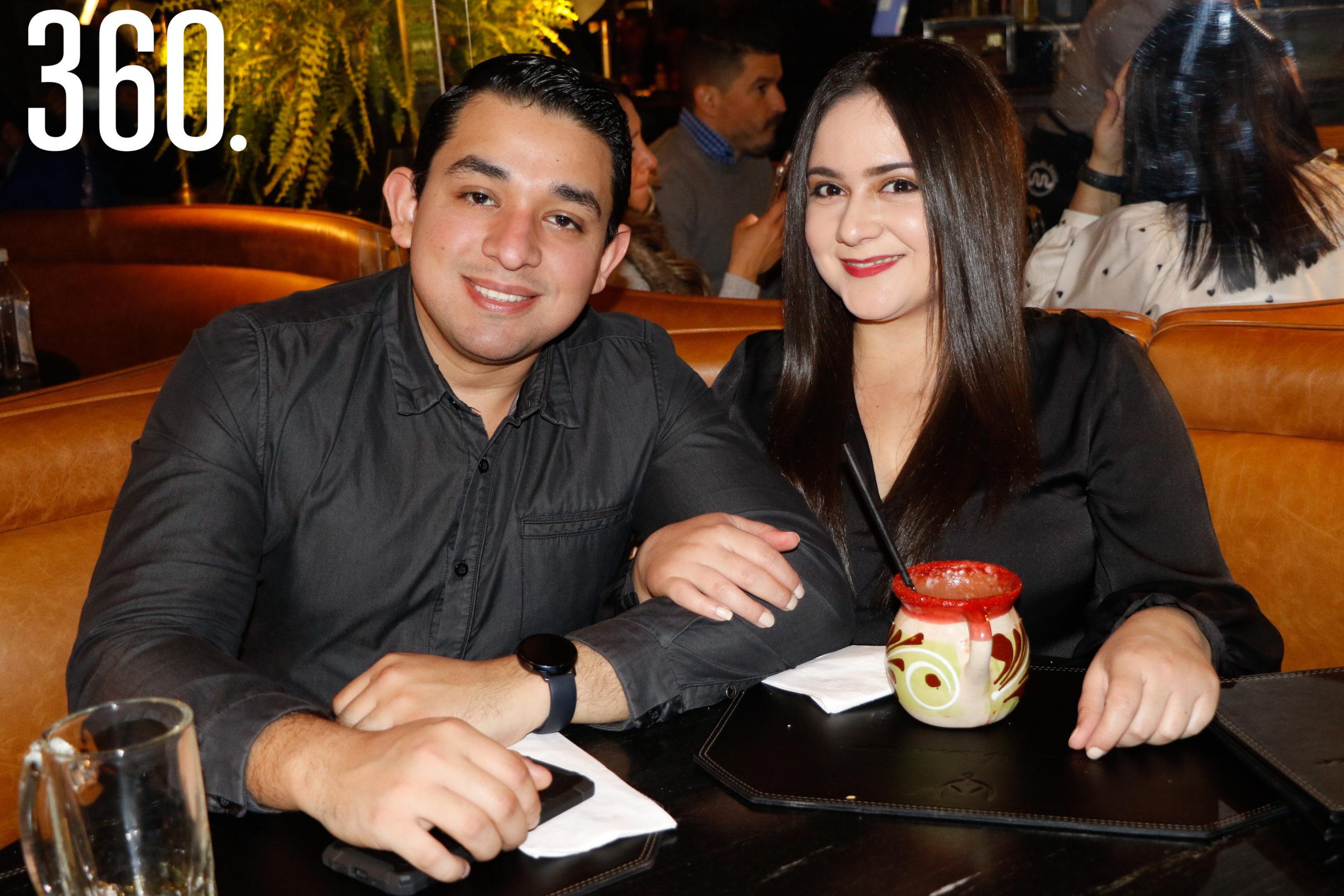 Oscar Ramírez y Cynthia Arbona.