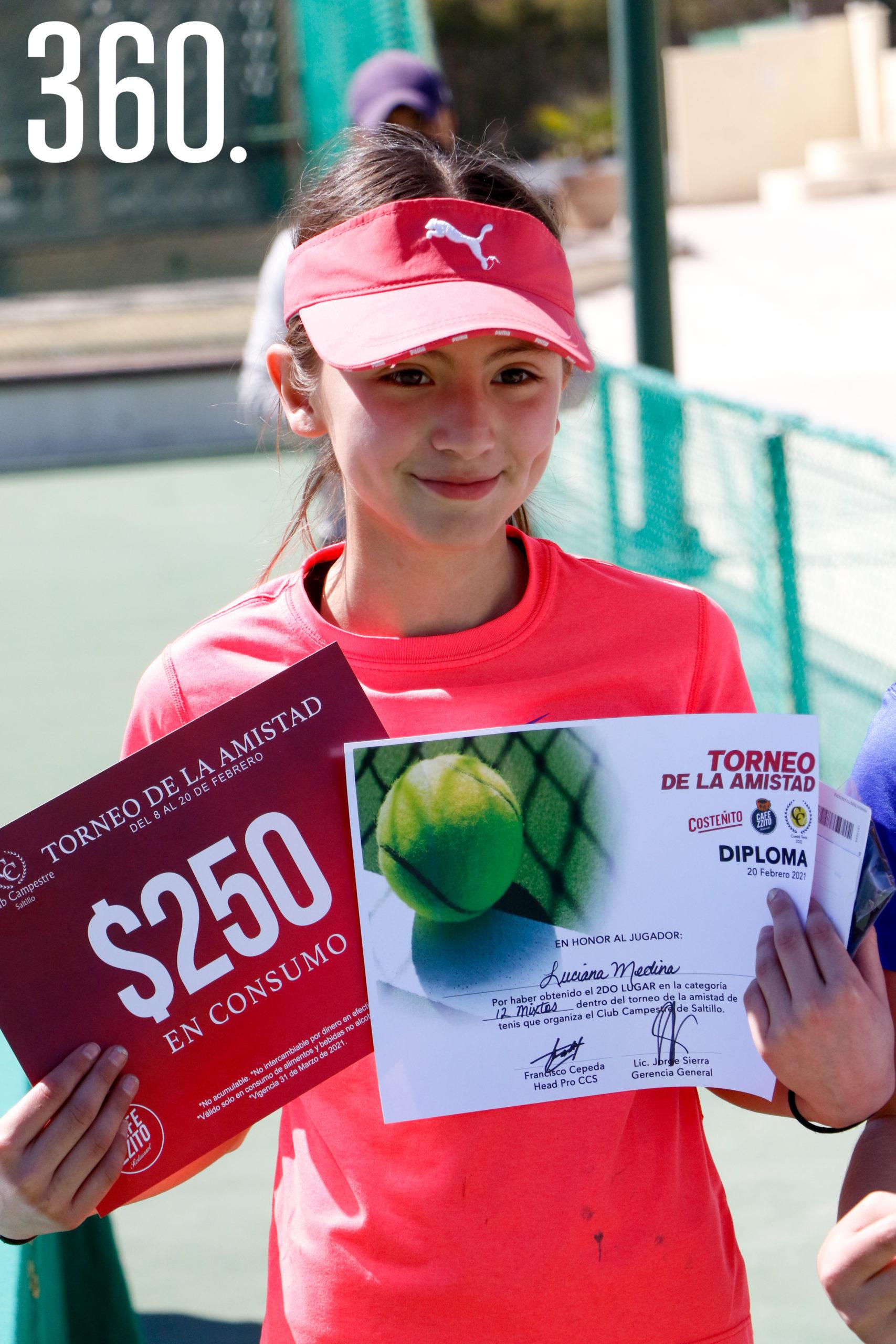 Luciana Medina, finalista de categoría 12 mixtos.