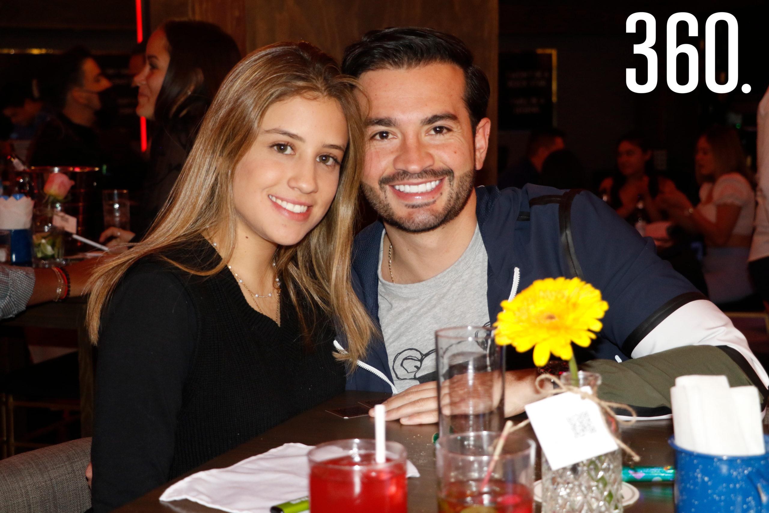 Paola Oviedo y Lalo González.