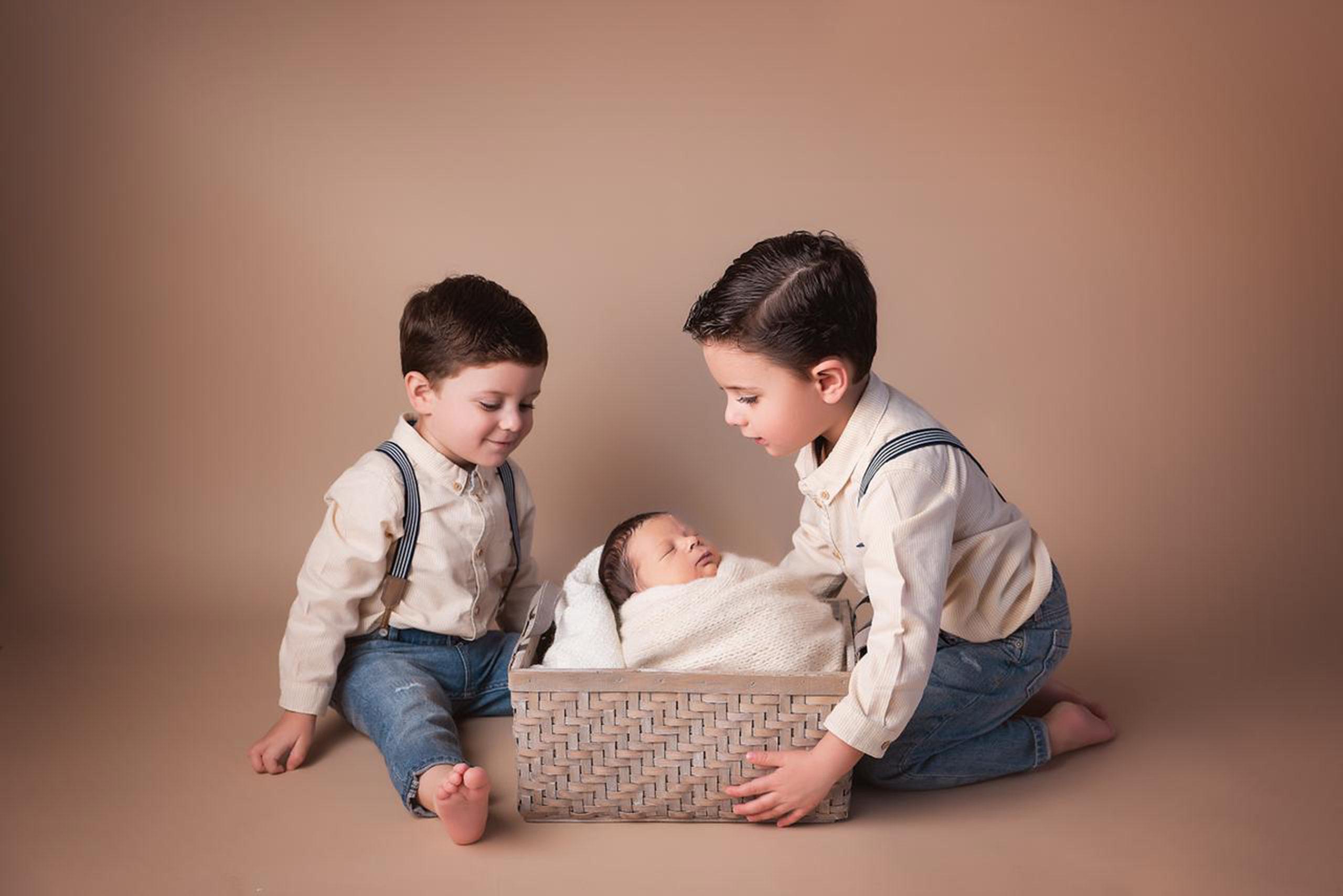 Mauricio con sus hermanos, José Eduardo y Rodrigo