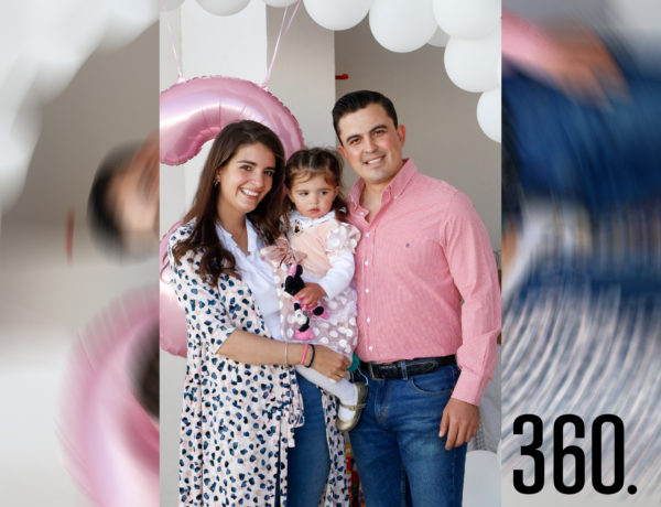 Marié con sus padres, Erandy Pereznegrón y Fabián Núñez.