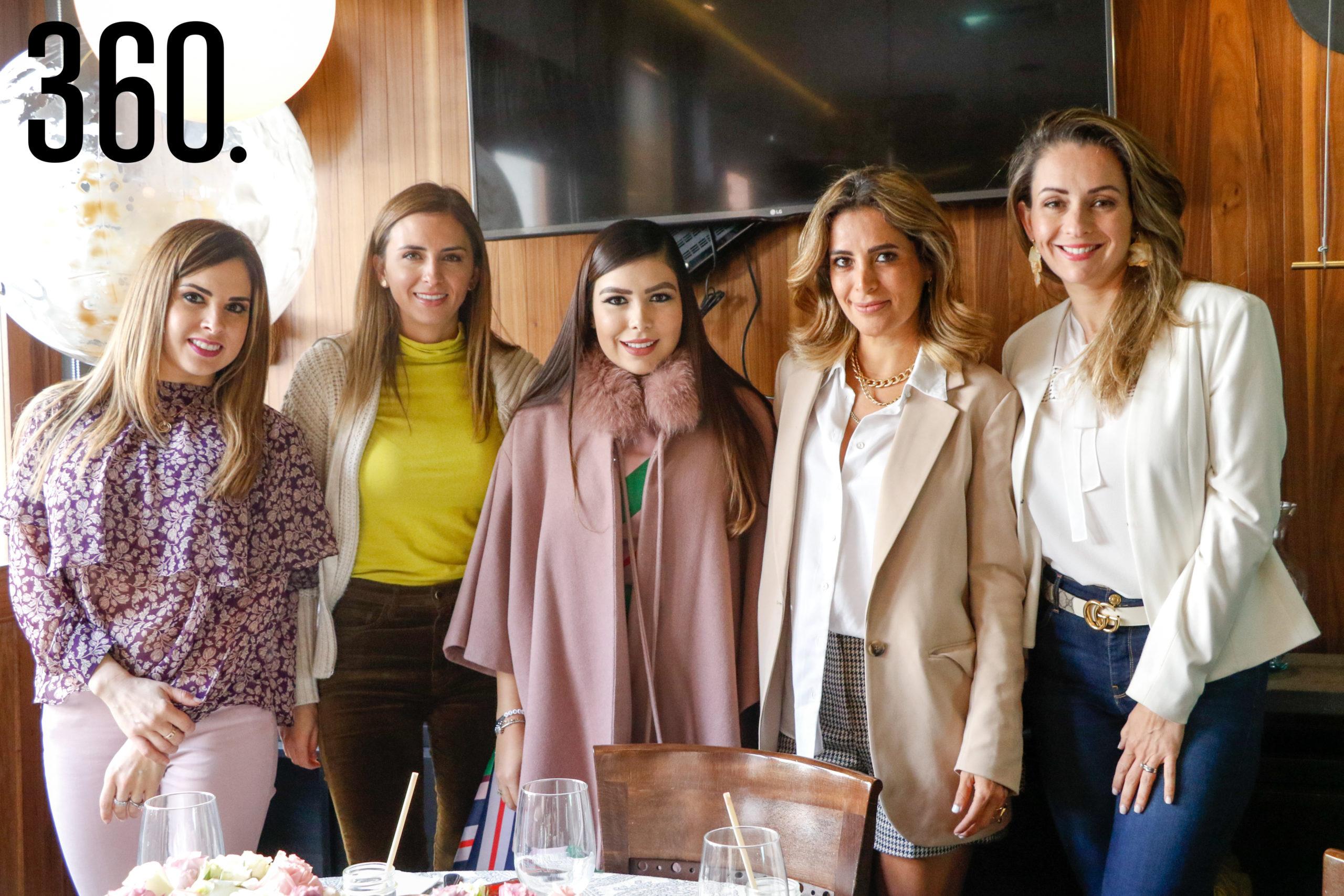 Abril Morales, Anateresa Villaseñor, Azalea Maldonado, Gaby Sánchez y Luly López.