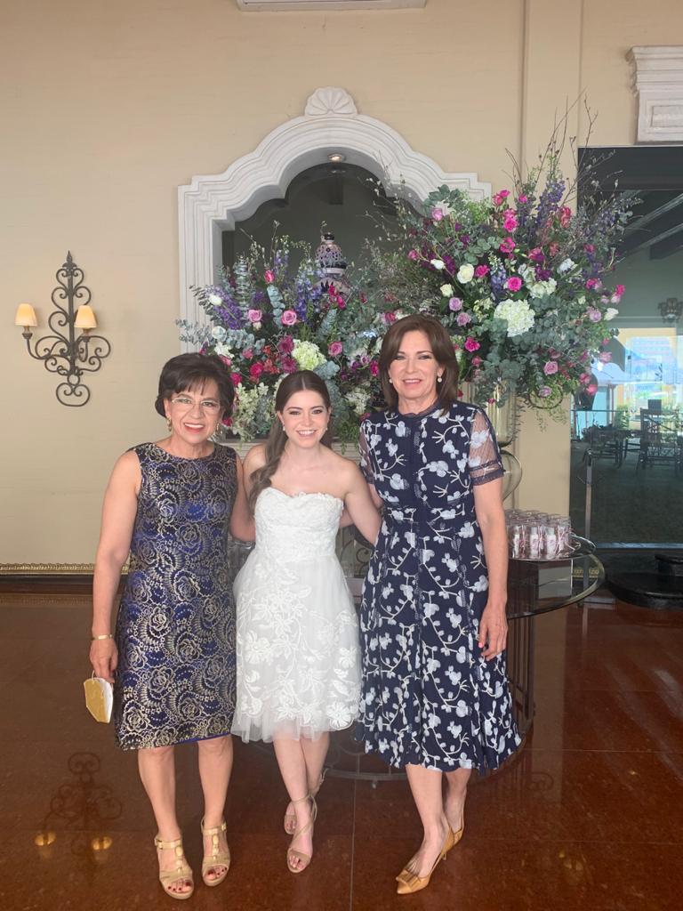 Marcela Viera, María Inés Dávila y Gloria Flores.