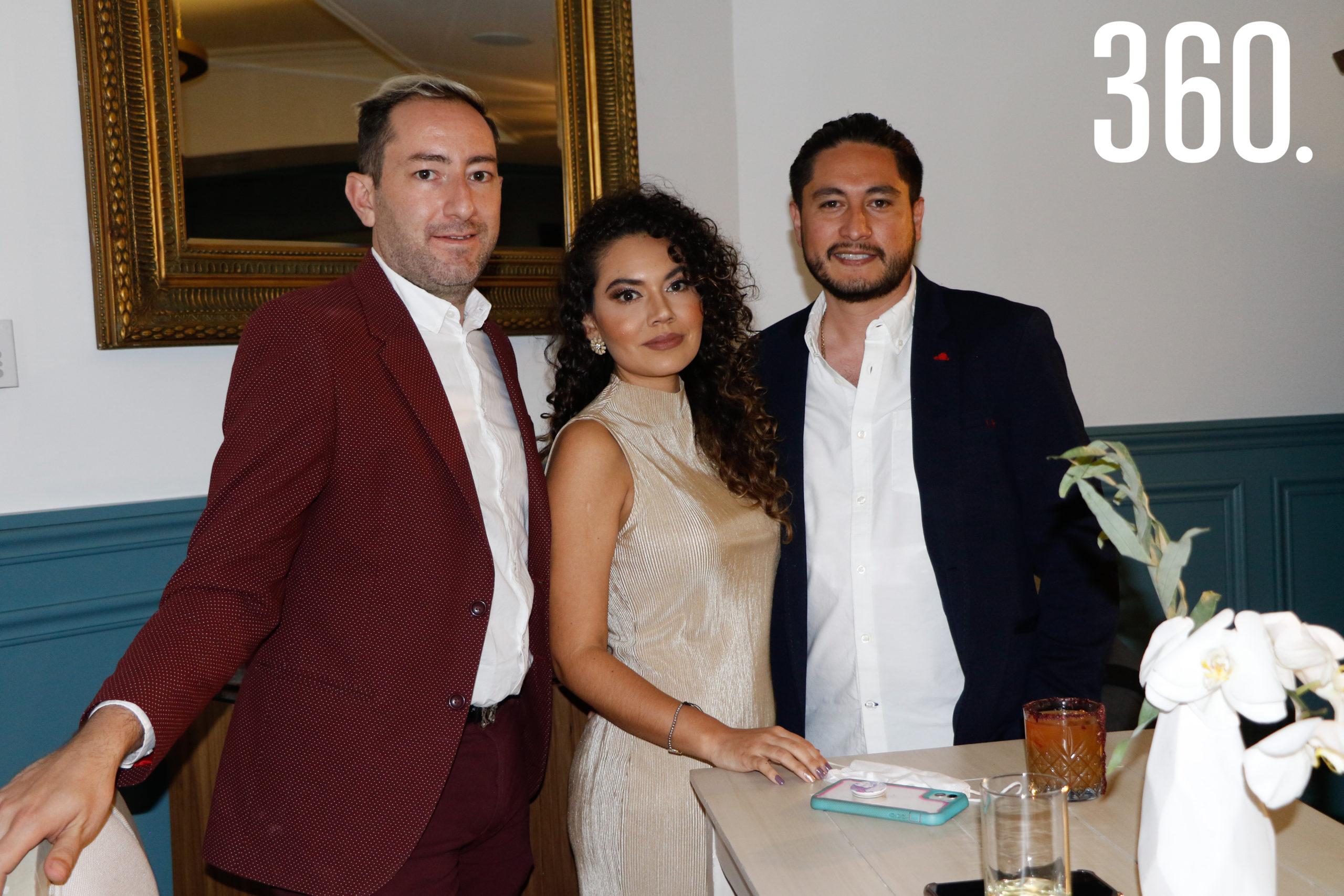 Jesús García, Mariángela Cadena y Salvador López.