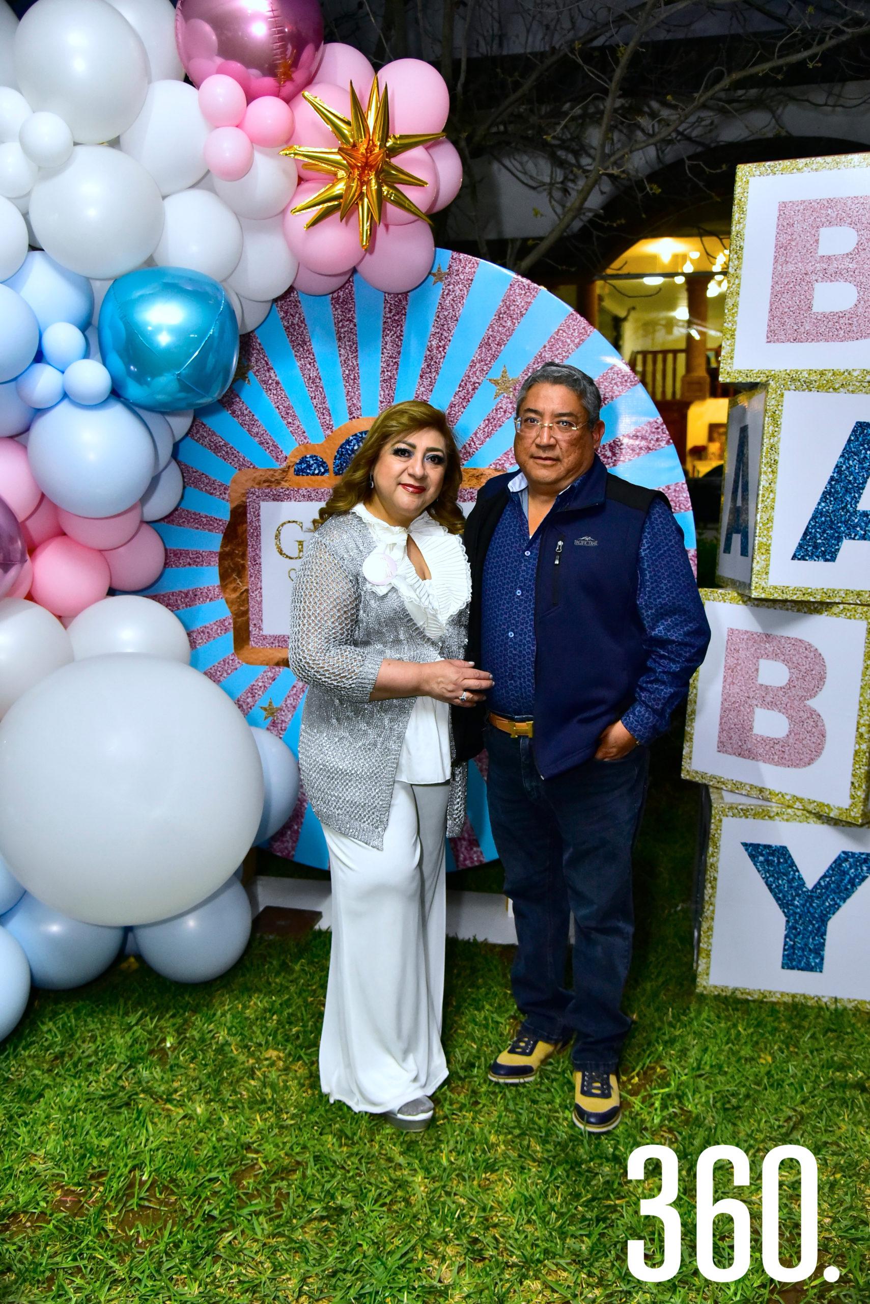 César Briseño y Patricia Muñoz.