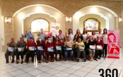 Club Rotario con las beneficiarias de prótesis.
