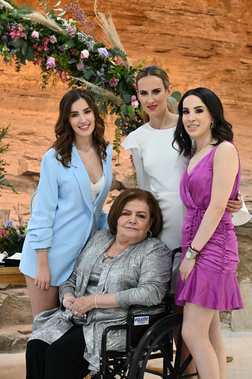 Fernanda Blackaller, Gabriela Canales, Carmen Hernández y Cristy Hernández.