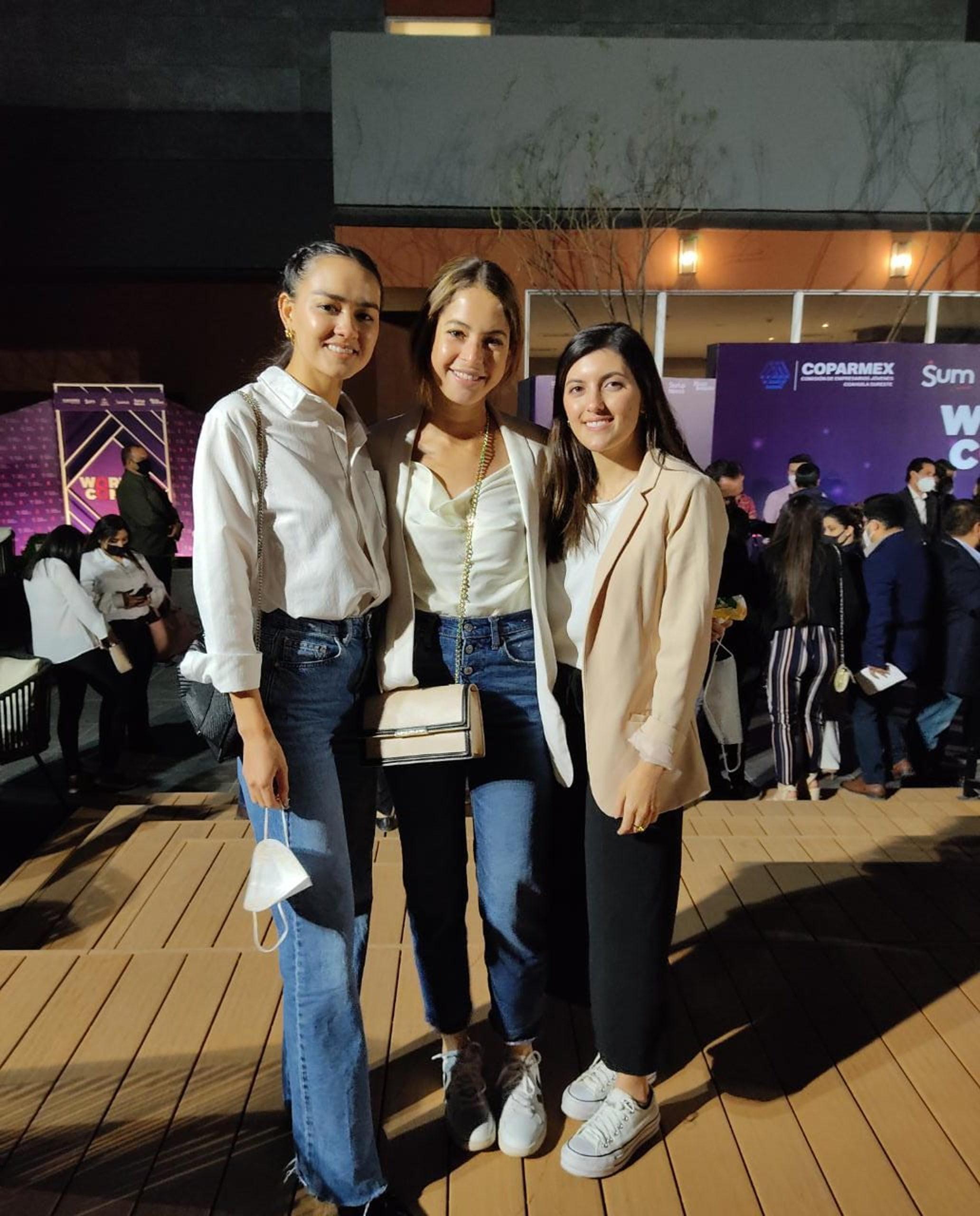 Daniela Saldaña, Elena Rodríguez y Marcela Rodríguez.