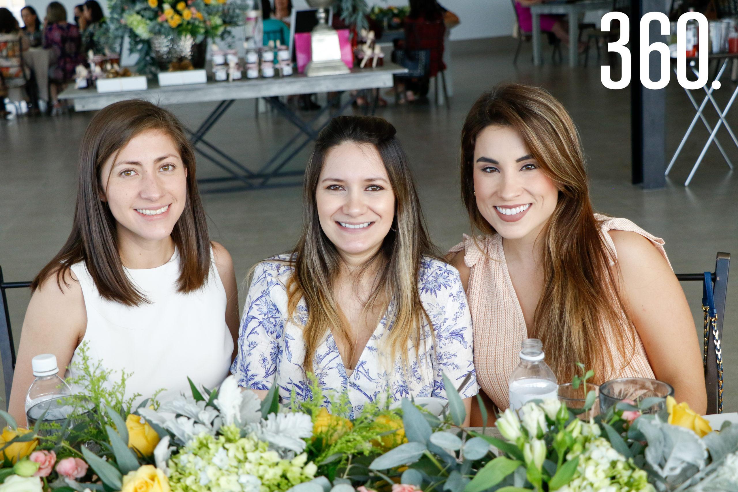Natalia GomezCrespo, Bárbara Rodríguez y Marcela Morales.