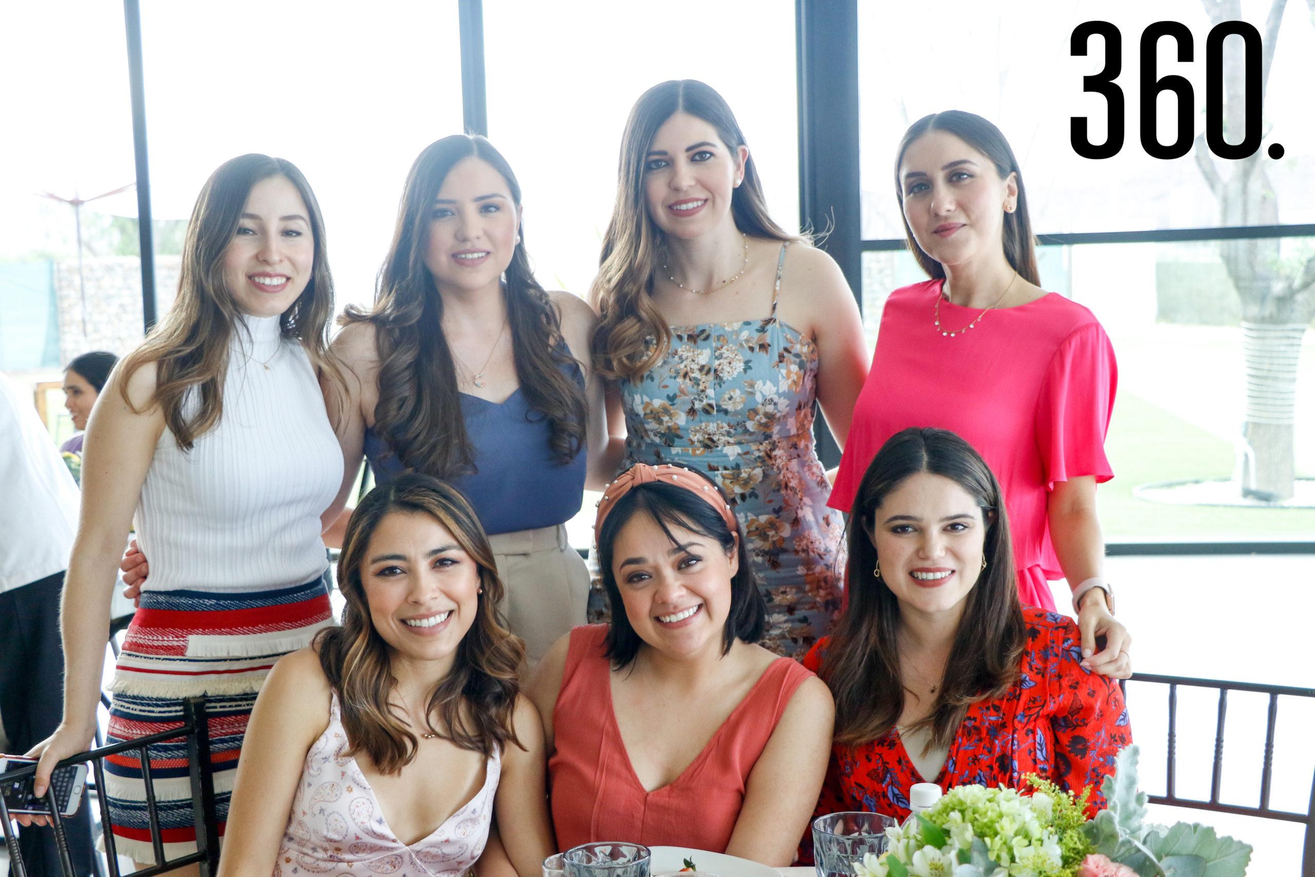 Alba Flores, Ana Lucía Peart, Claudia Valdez, Marifer Garza, Christy Saldaña, Ana Laura Yamamoto y Annie Aguirre.