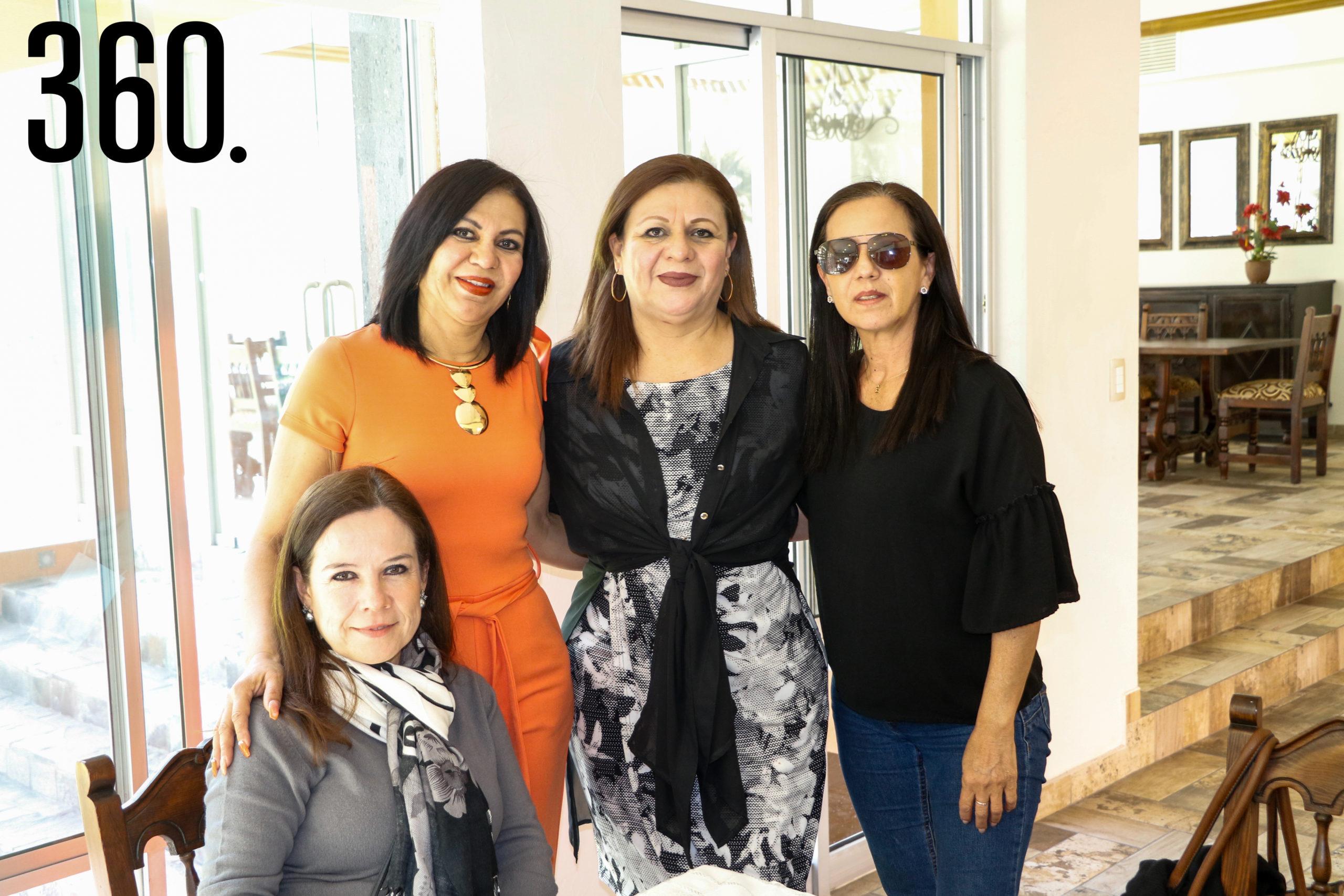 Moira de León, Chachis Reyes, Zaida Reyes y Bertha Cárdenas.