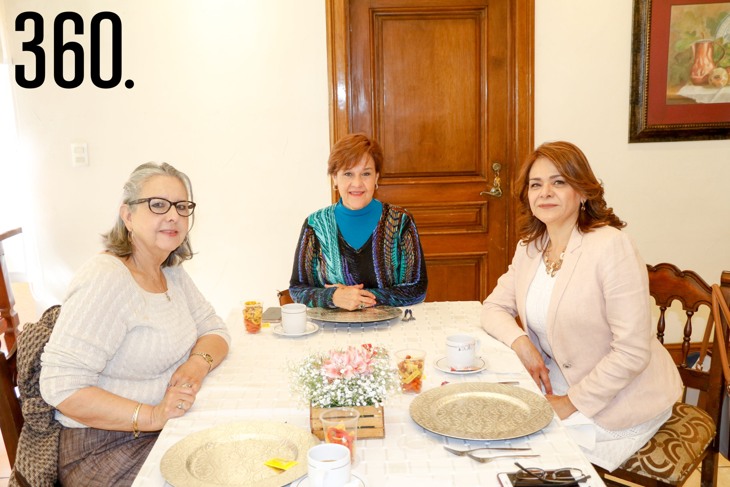 Coco Gallegos, María Elva Flores y Margarita Loera.