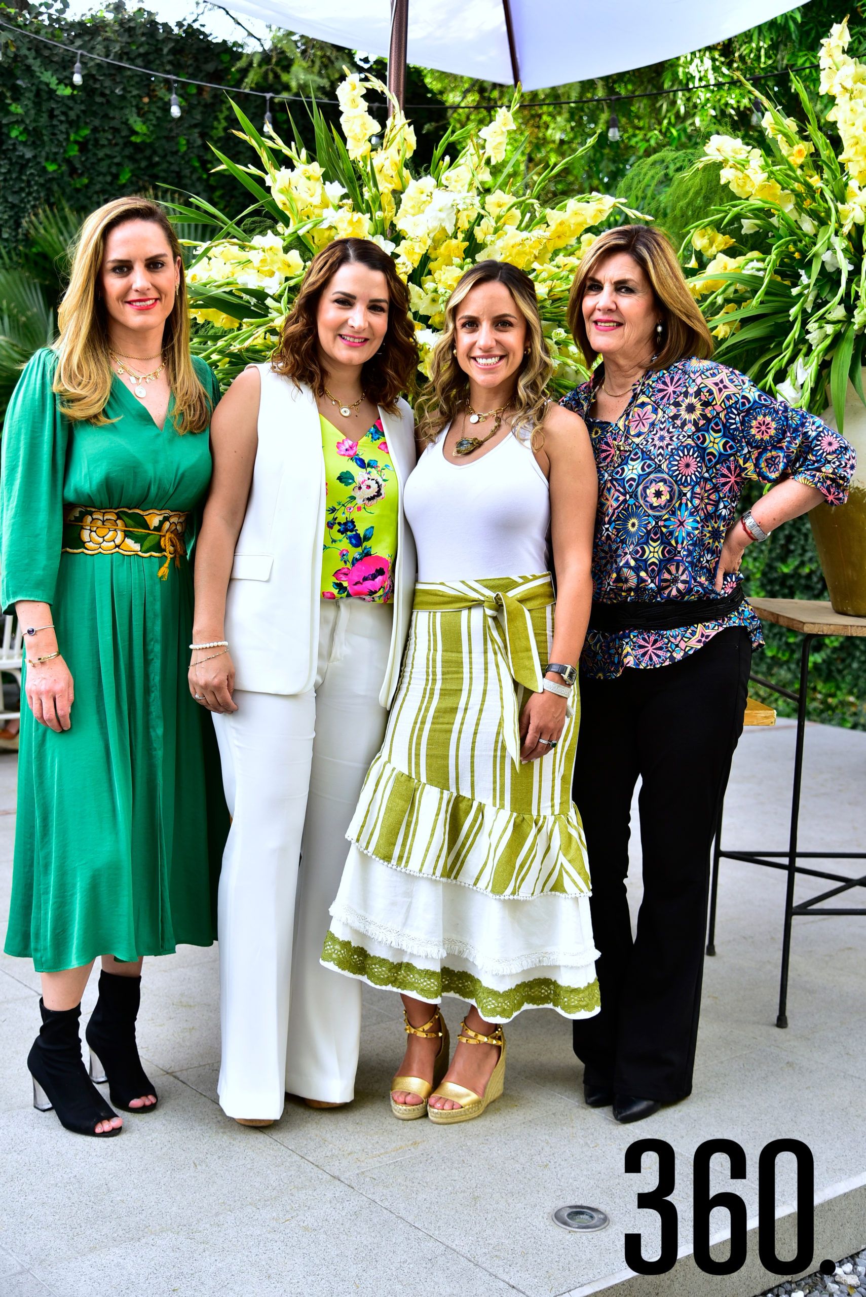 Paulina Galindo con su mamá, Rosario Cepeda, su hermana, Ana Lorena Galindo, y su cuñada, Beba de los Santos.