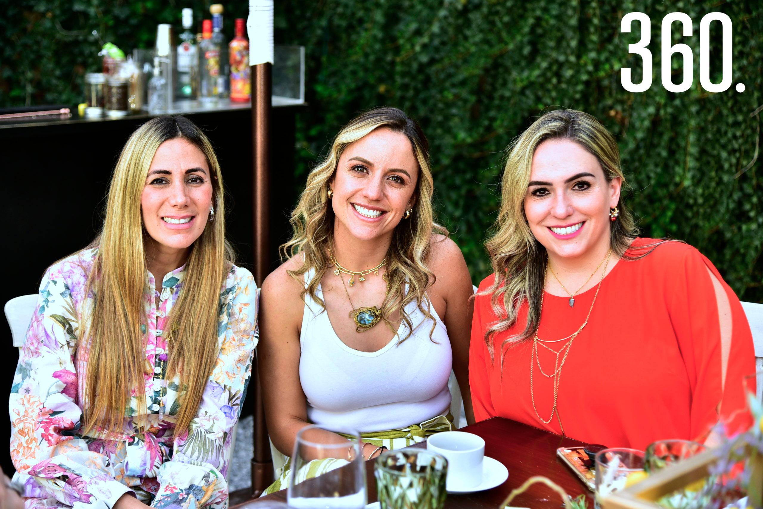 Daniela José, Paulina Galindo y María Inés Valdés.