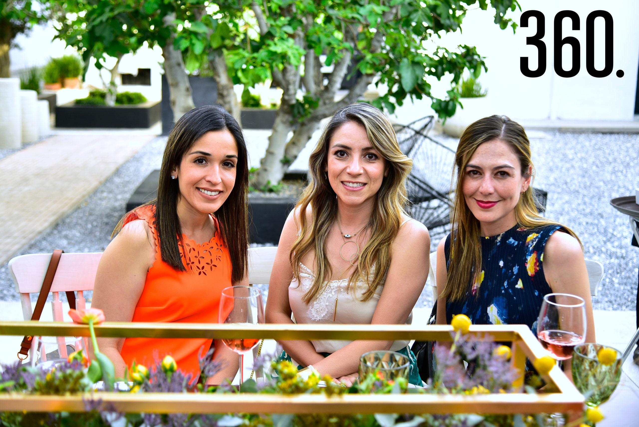 Susana Quintanilla, Marcela Solís y María José Muriel.