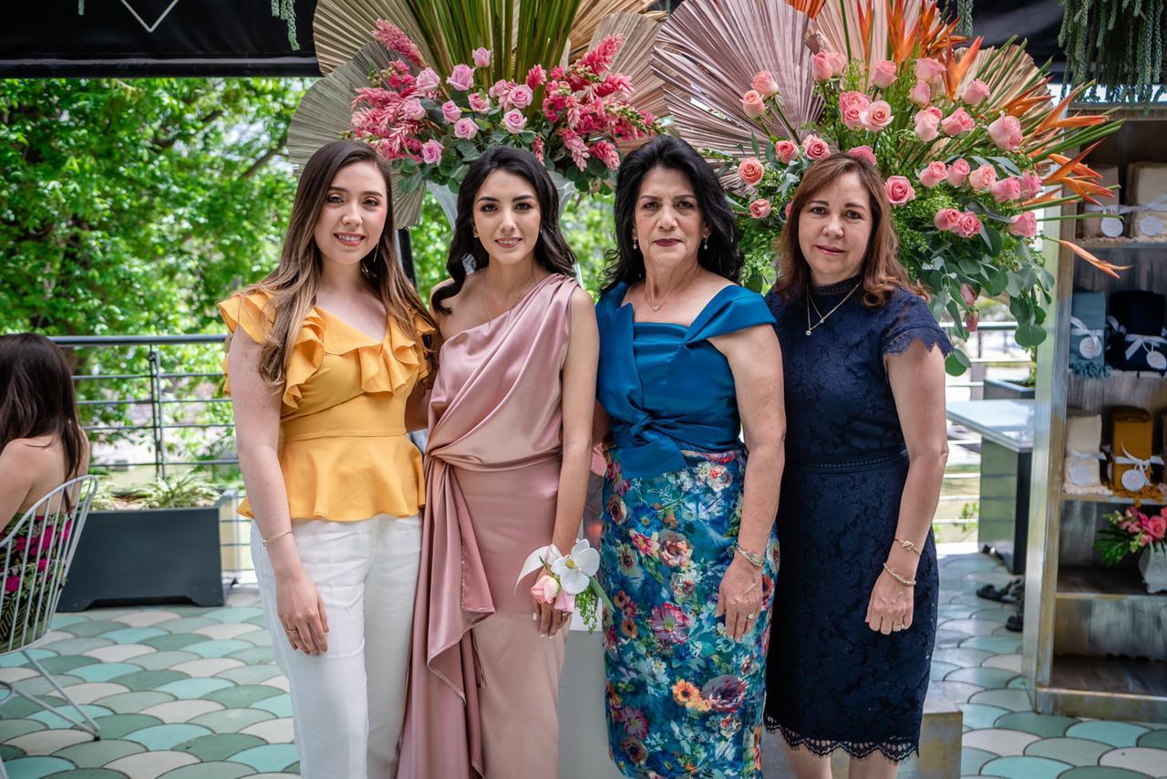 Ale Sandoval, Paola Rodríguez, María Elena Vázquez y Blanca Contreras.