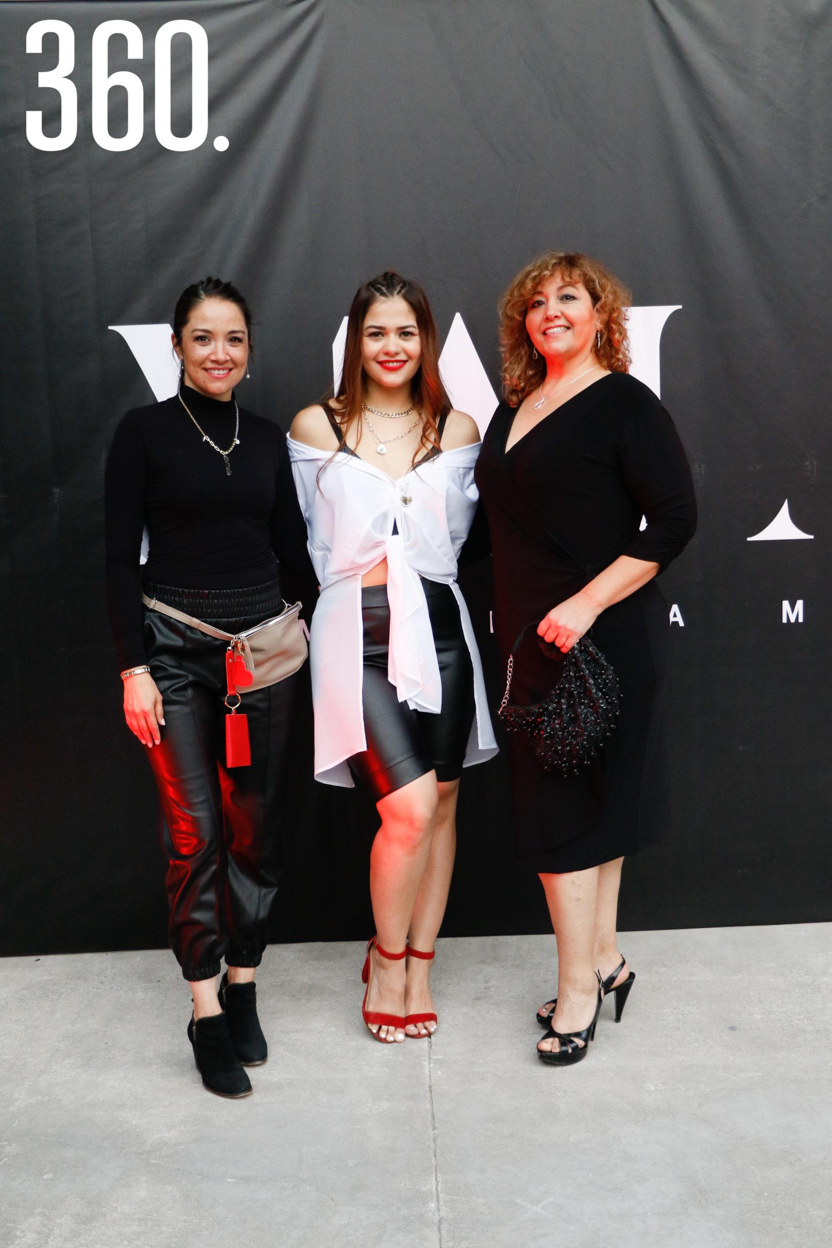 Ale Melo, Mariana Melo y Mónica Garza.