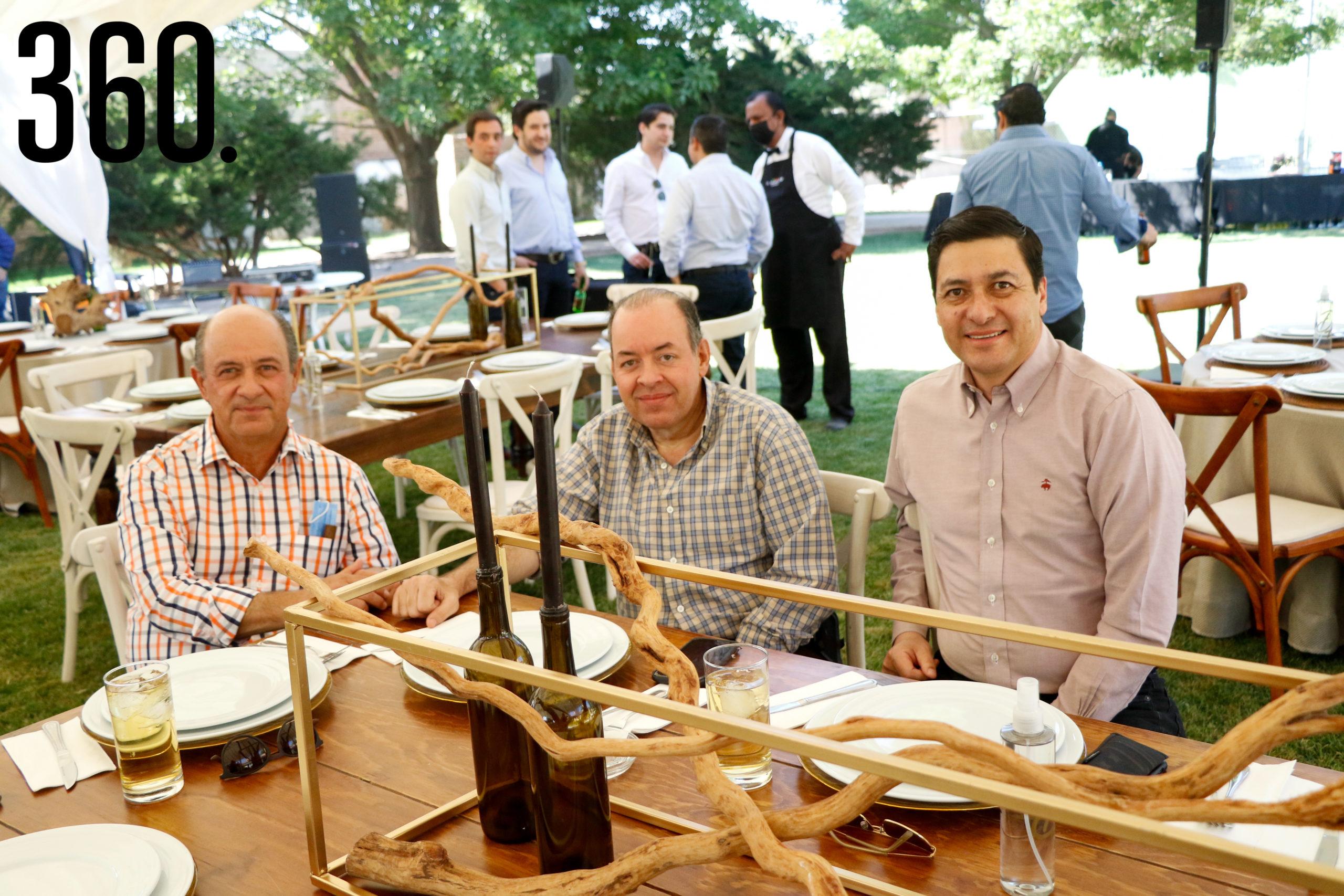 Ricardo Villarreal, Roberto Villarreal y Jorge Chávez.