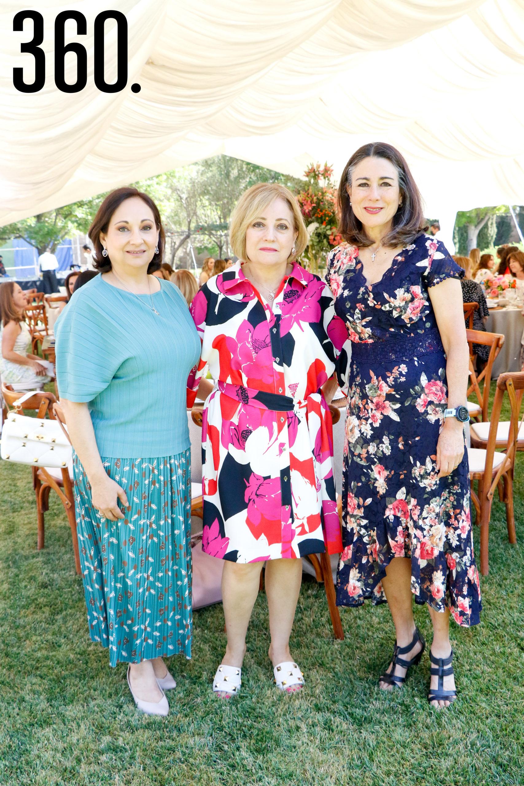 Magdalena Rodríguez, Elma Rodríguez de Arizpe y Mayita de Arsuaga.