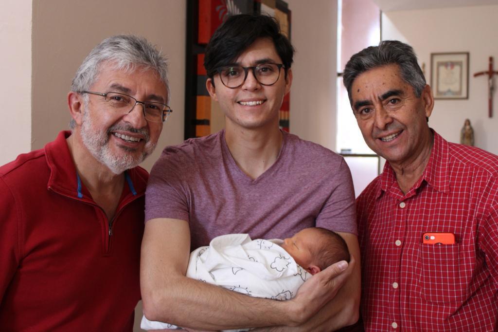 Álvaro Ramos, Erik Osornio Centerwall y Noé Osornio con Erik.
