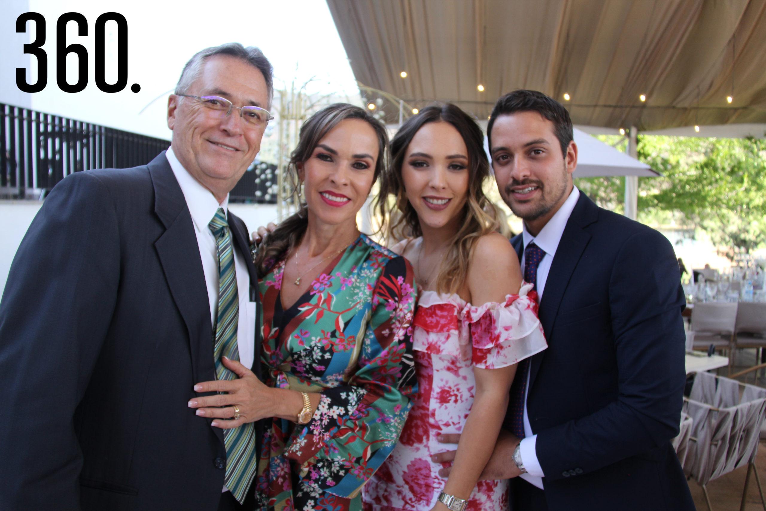 José Luis López, Melissa Möeller, Melissa López y Jesús de León Cardona.