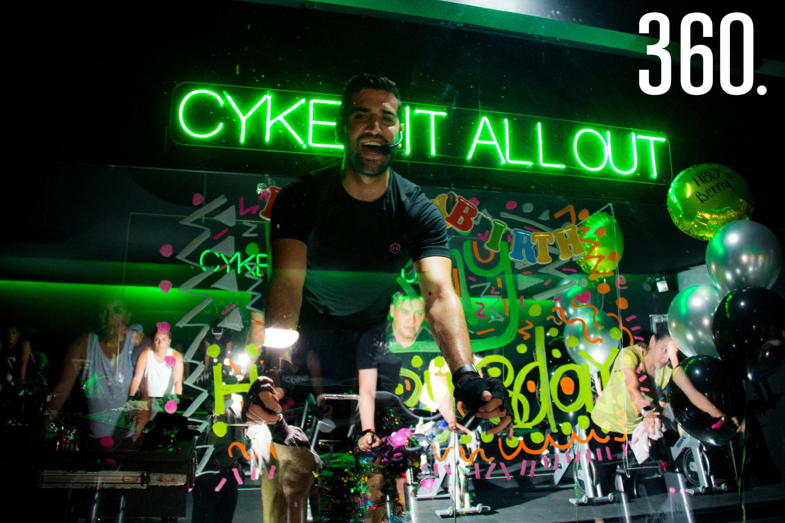 Bernardo González, coach de Indoor Cycling en Cykel, celebró sus 30 años impartiendo clases.