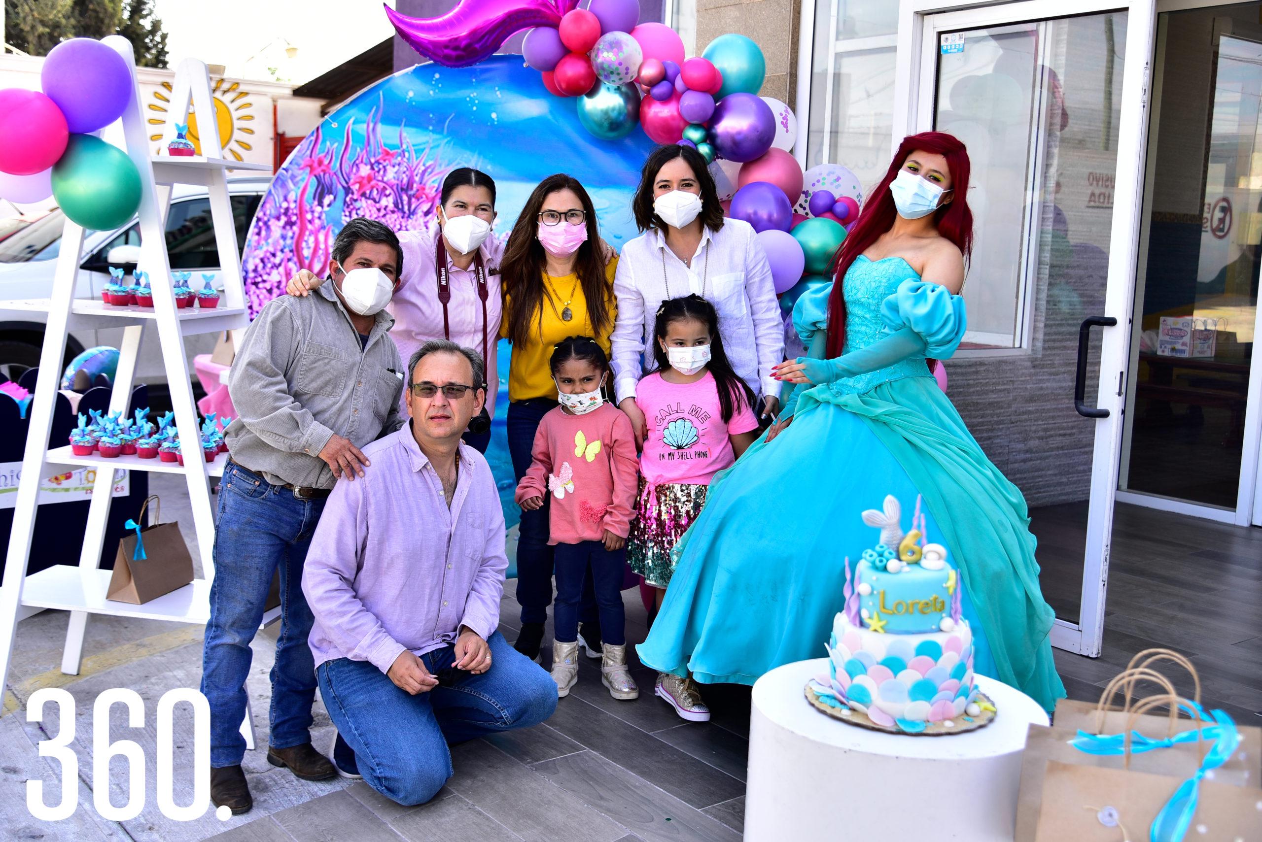 Familia Valdez con la festejada.