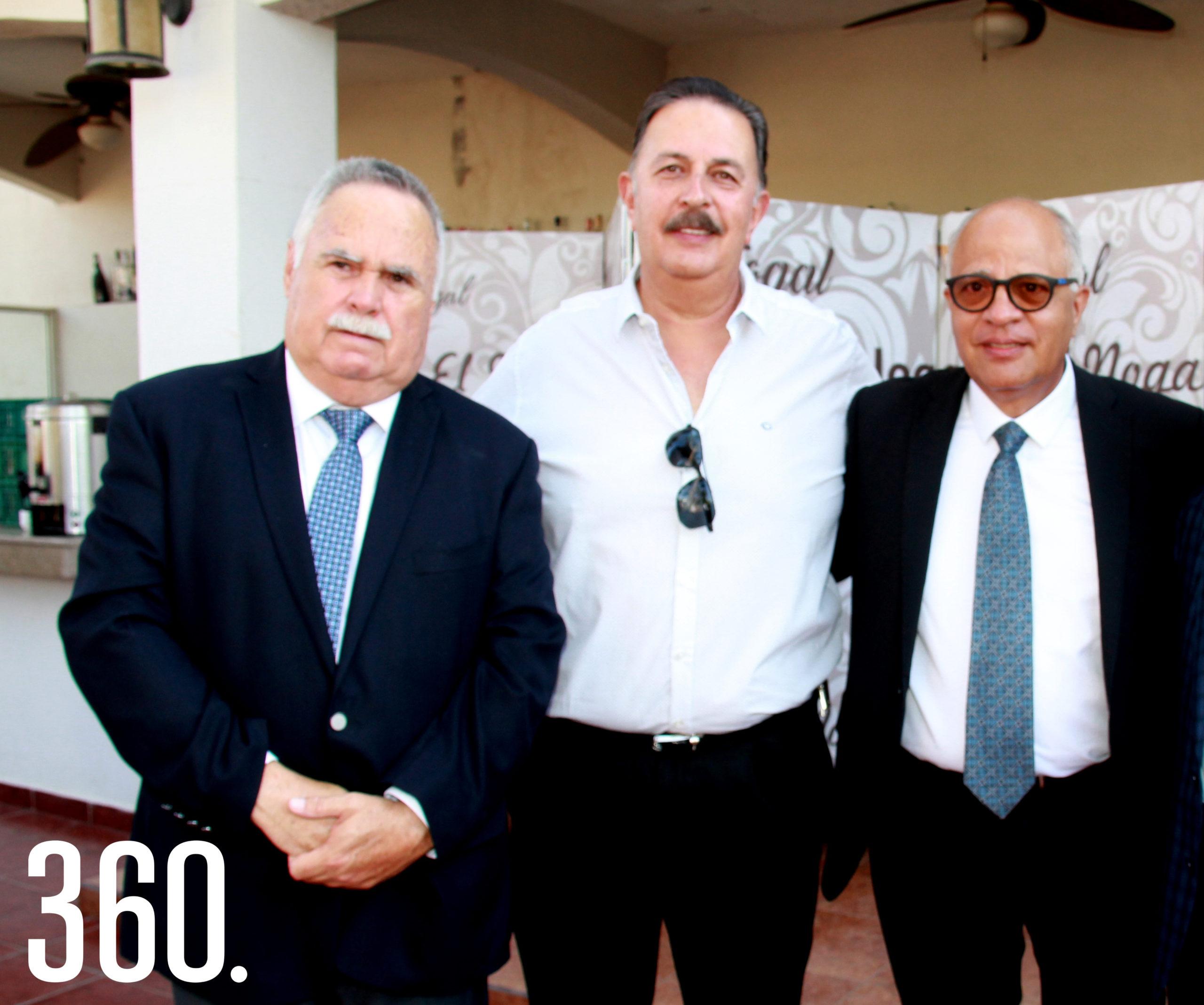 Antonio Flores, Gilberto y Emilio Mendoza.