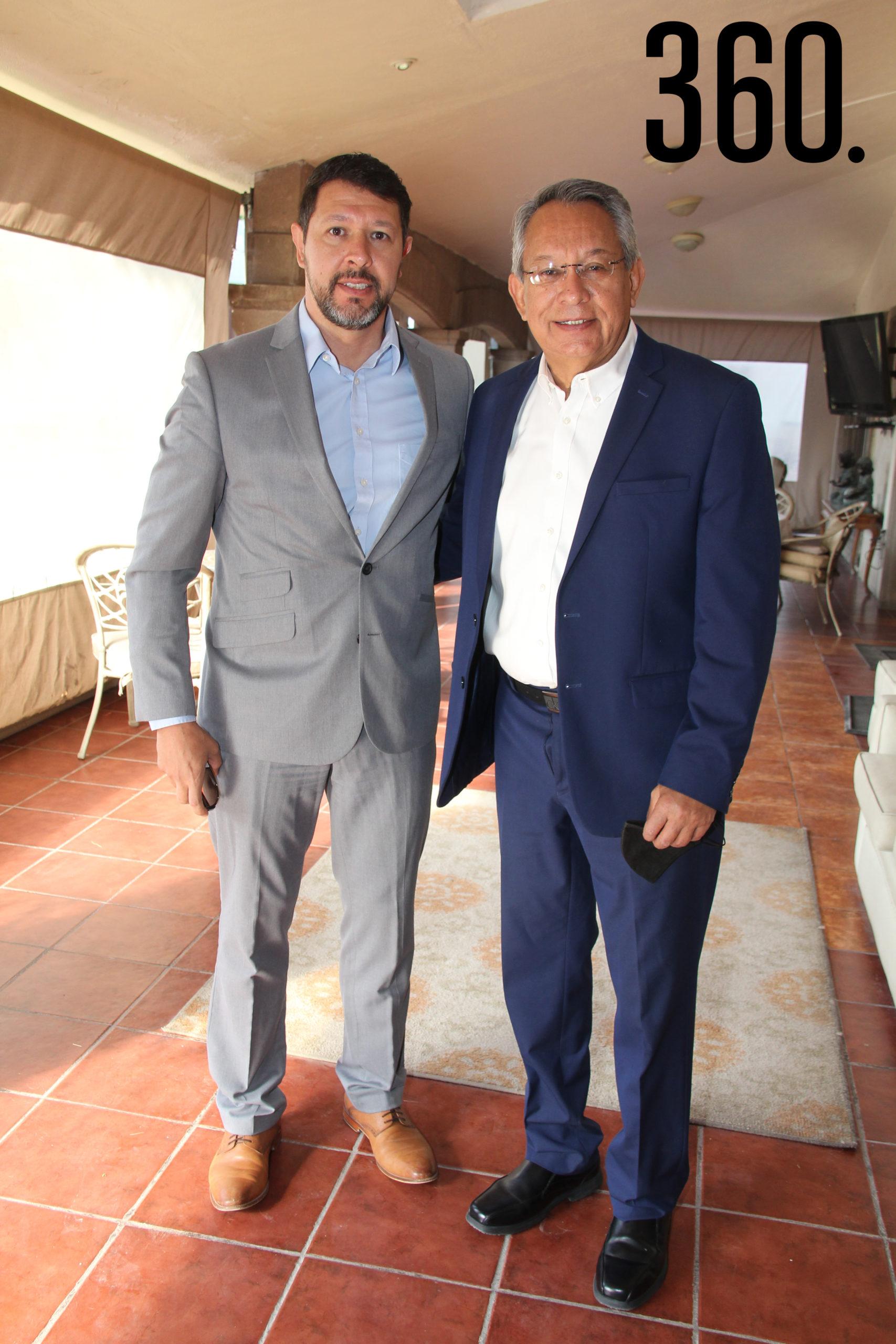Javier Z. Cruz y Javier Cruz.
