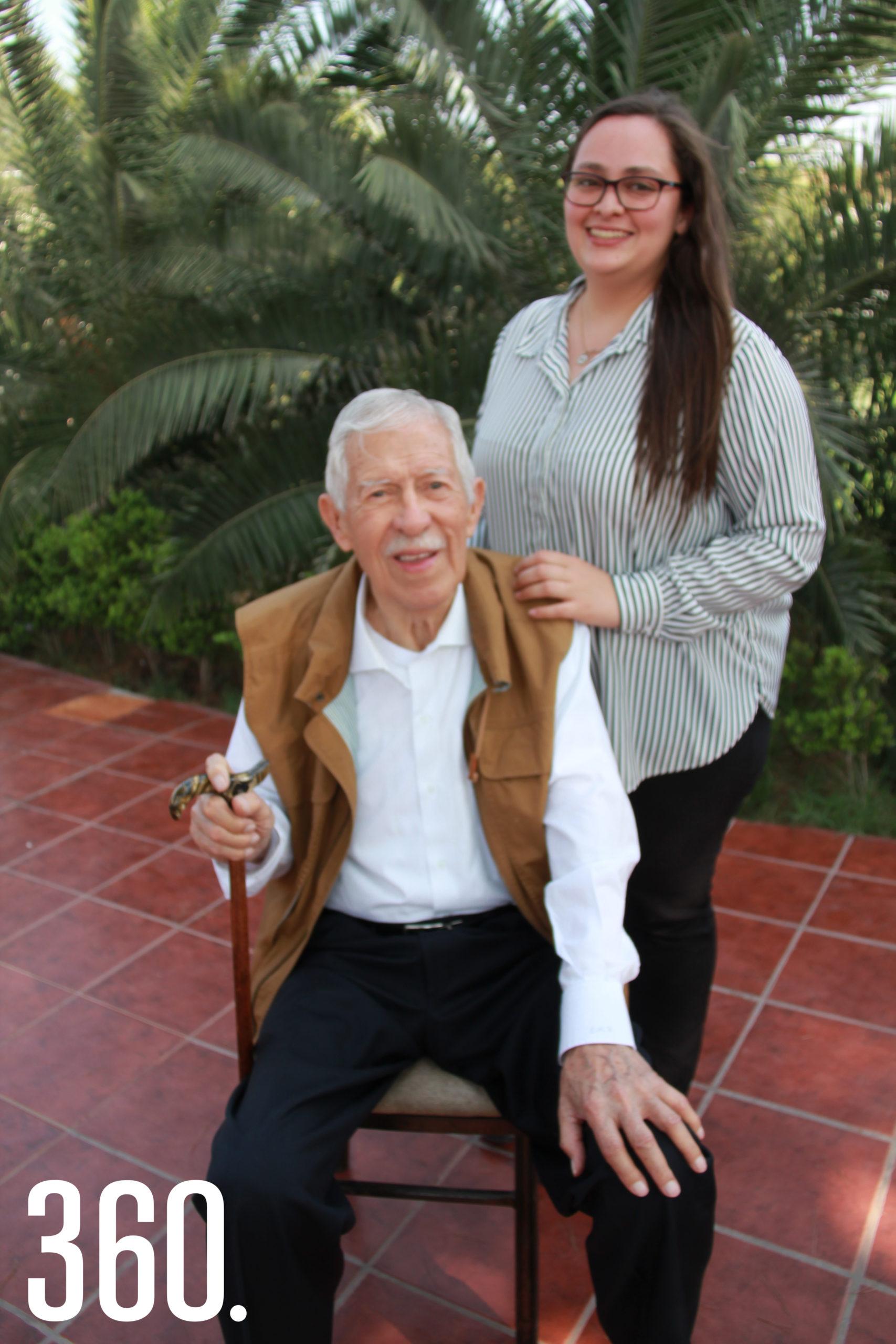 Eliseo Mendoza y su nieta Mariana Verduzco Mendoza cumplen años el 13 de abril.