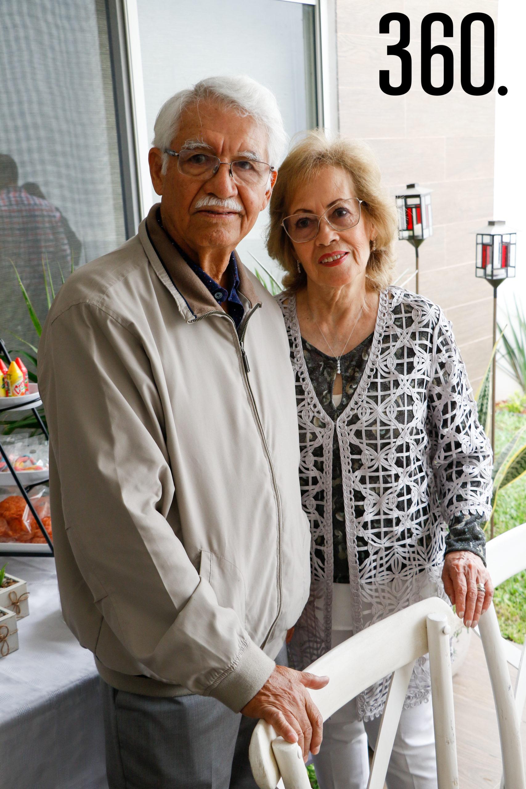 Nacu Martínez y María Aurora García, abuelos.
