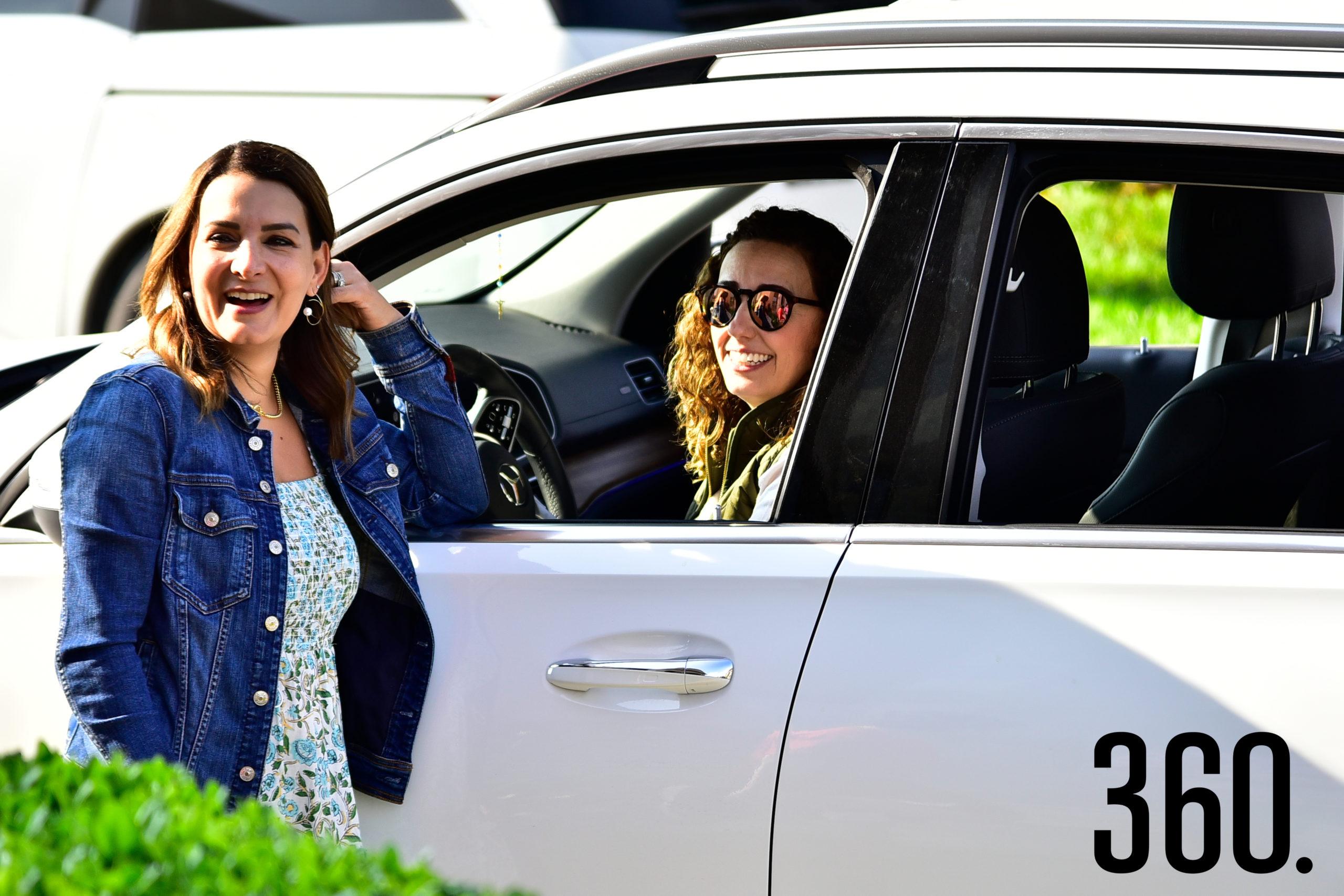 Amadelia de los Santos y Magda Mohamar.