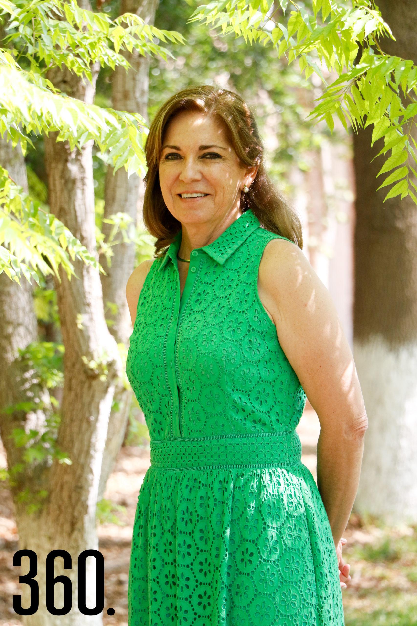 Gloria Flores.