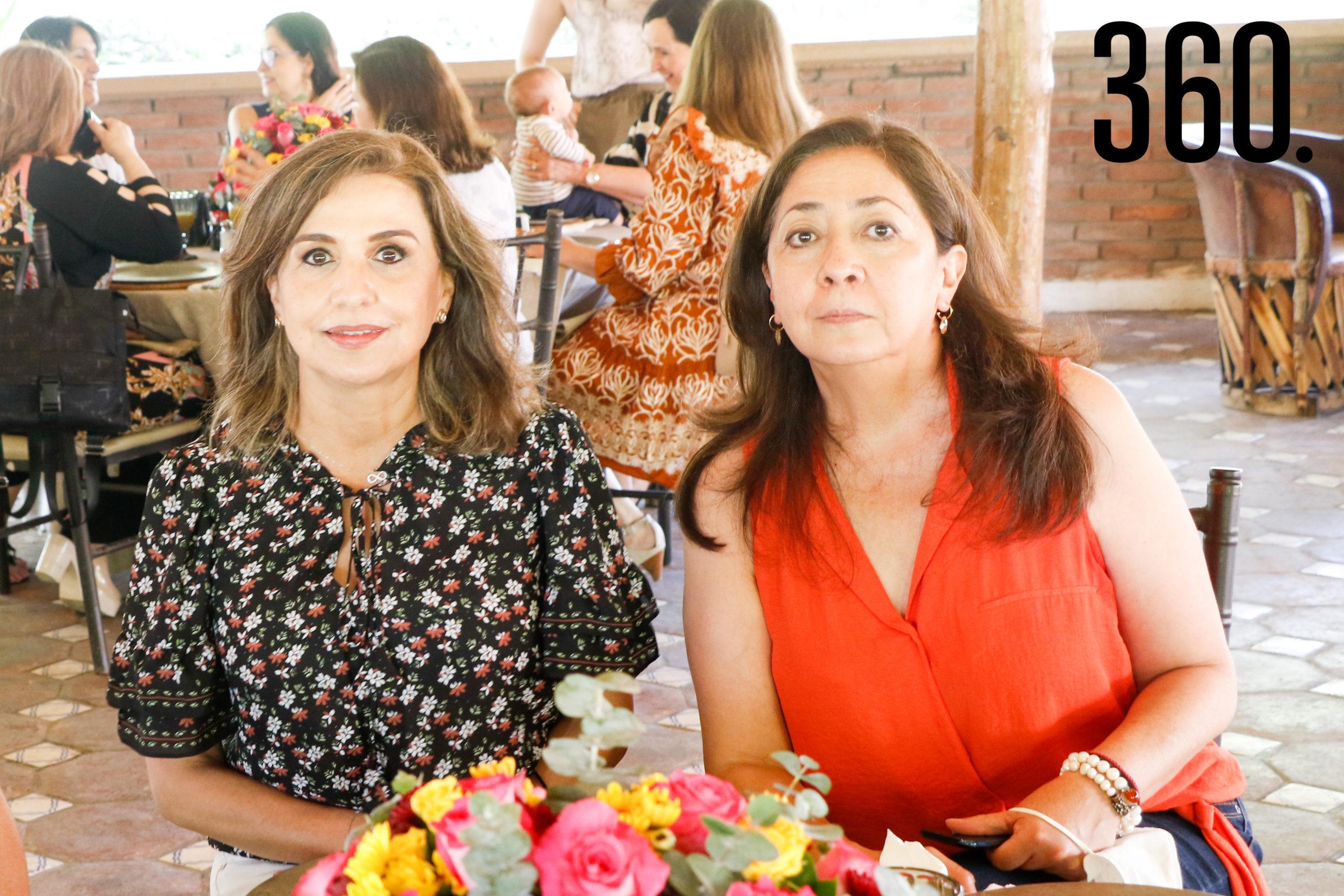 Rosa Elena Hernández y Esperanza García.