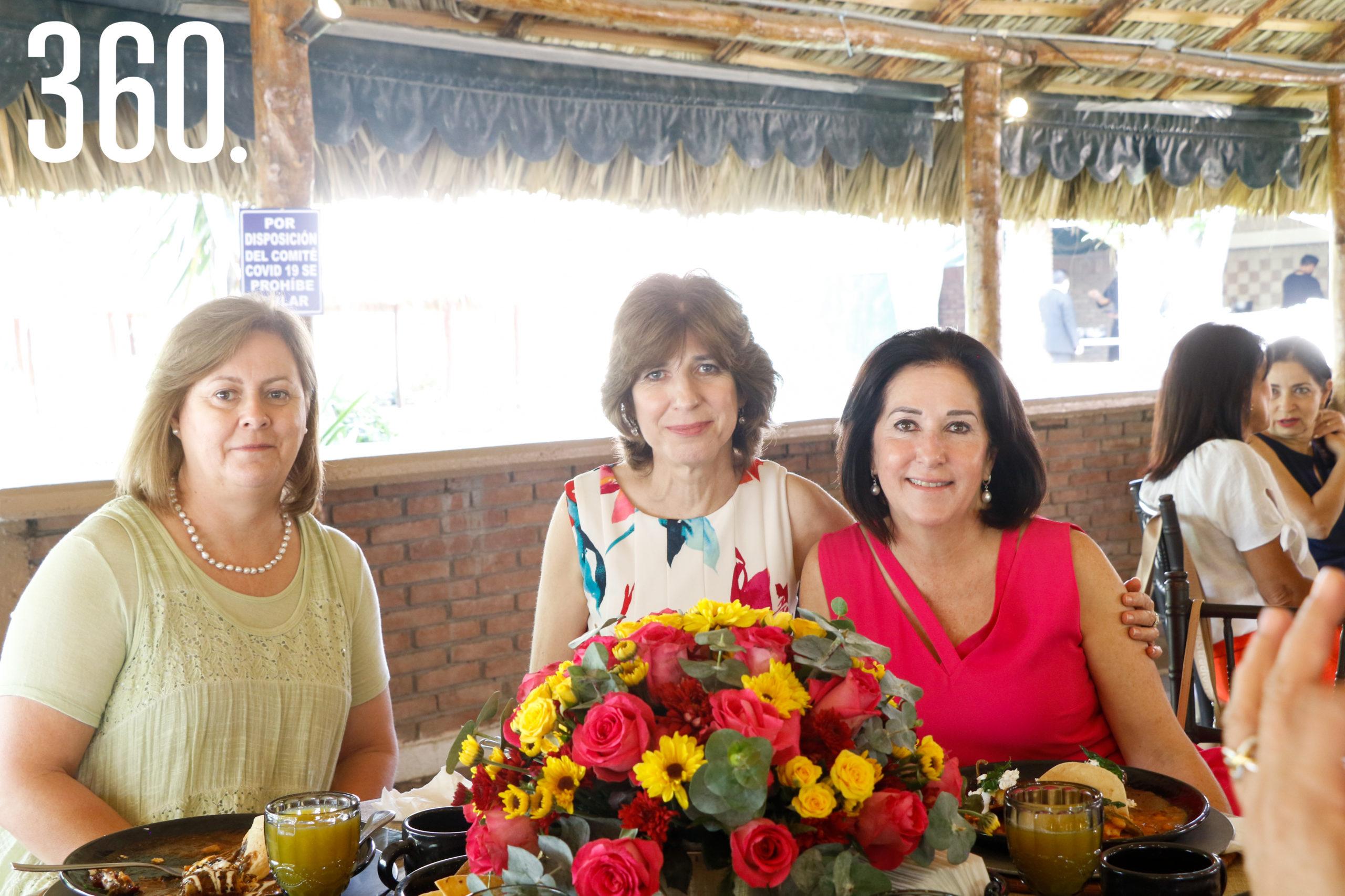 Mónica Narro, Prudencia Garza y Lourdes Belausteguigoitia