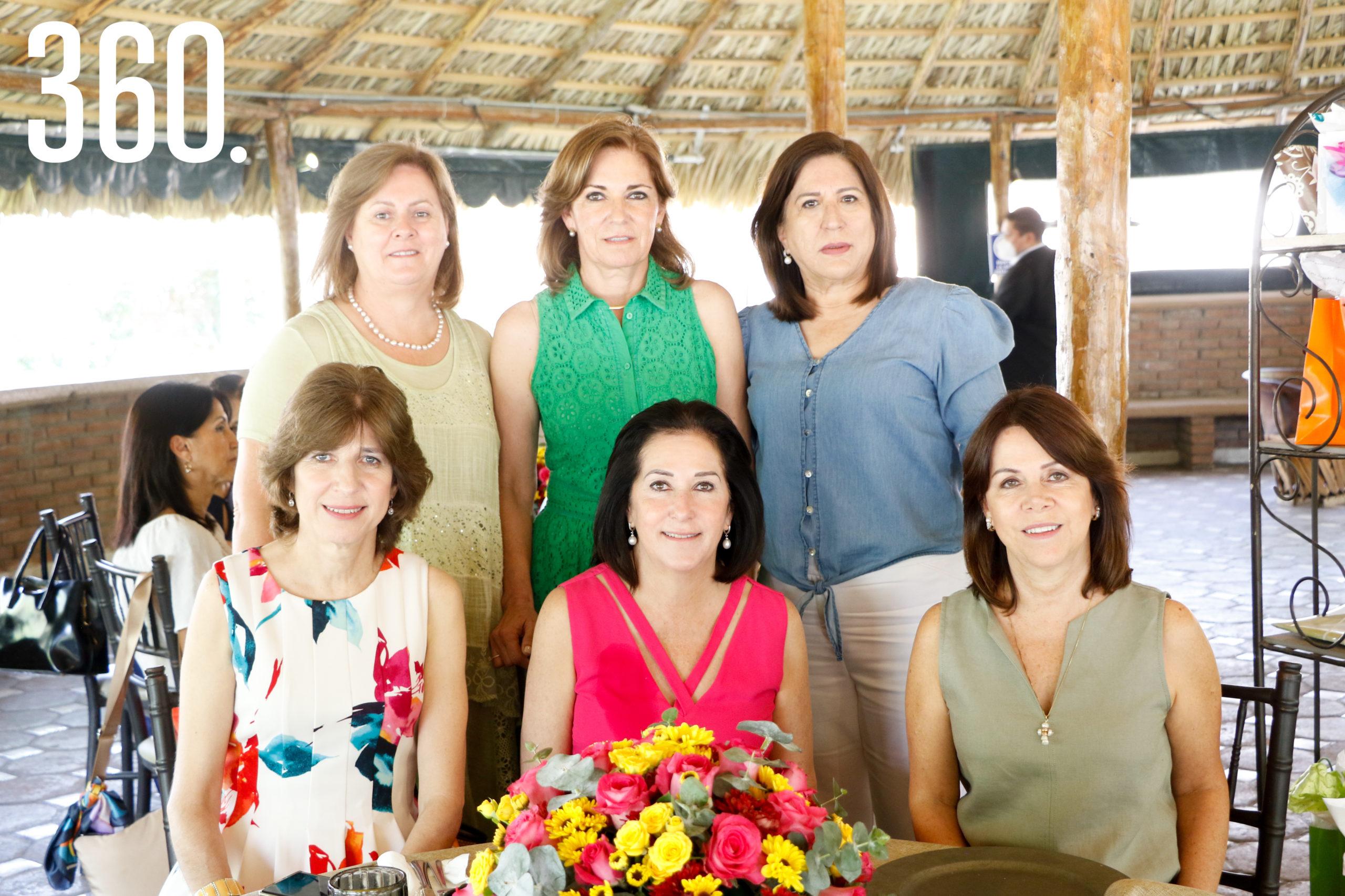 Mónica Narro, Mónica Ventura, María Elena del Bosque, Prudencia Garza, Lourdes Belausteguigoitia y Camila Guajardo.
