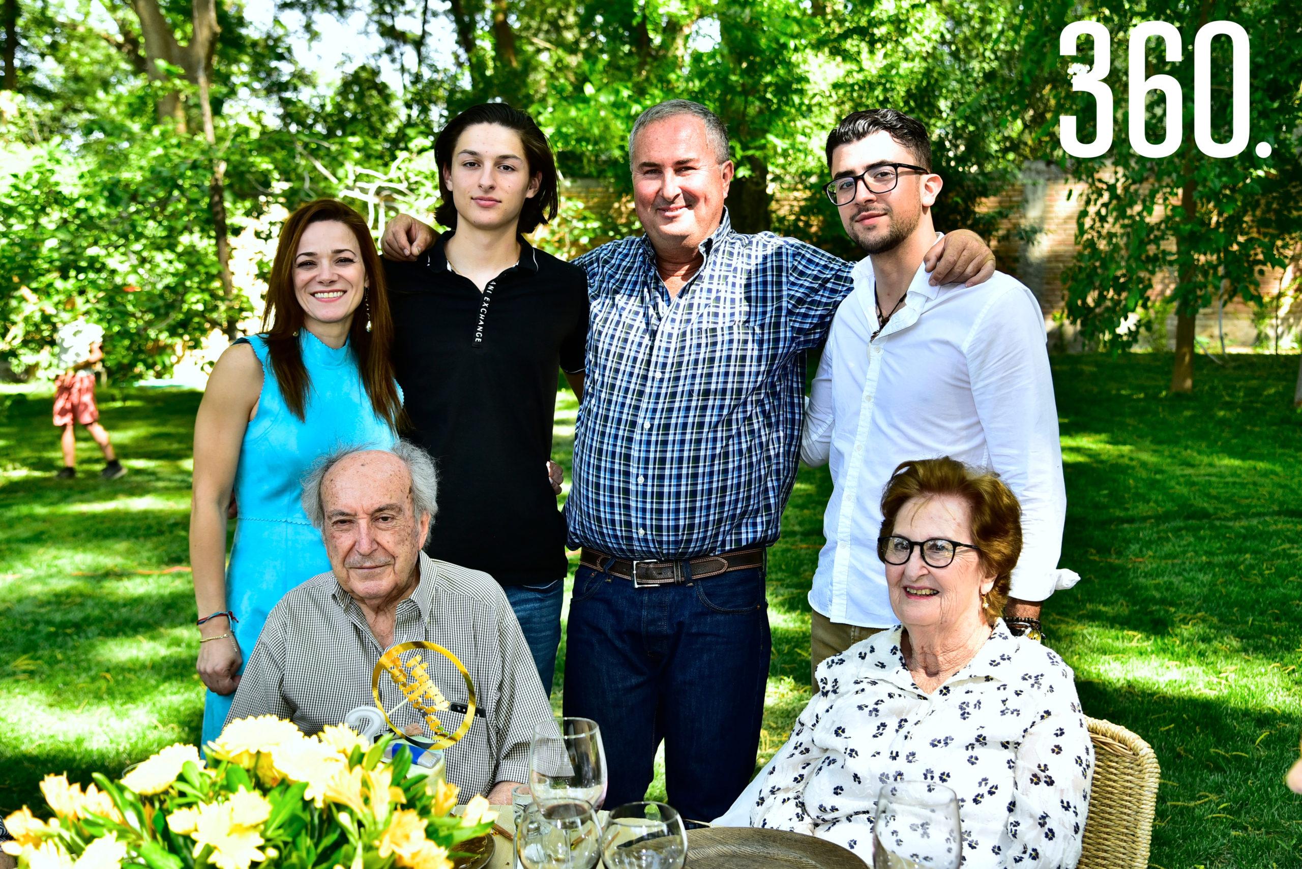 Dalia Ferriño, Alejandro Torres, Enrique Torres, Enrique Torres, Enrique Torres Caso y Beatriz Arsuaga.