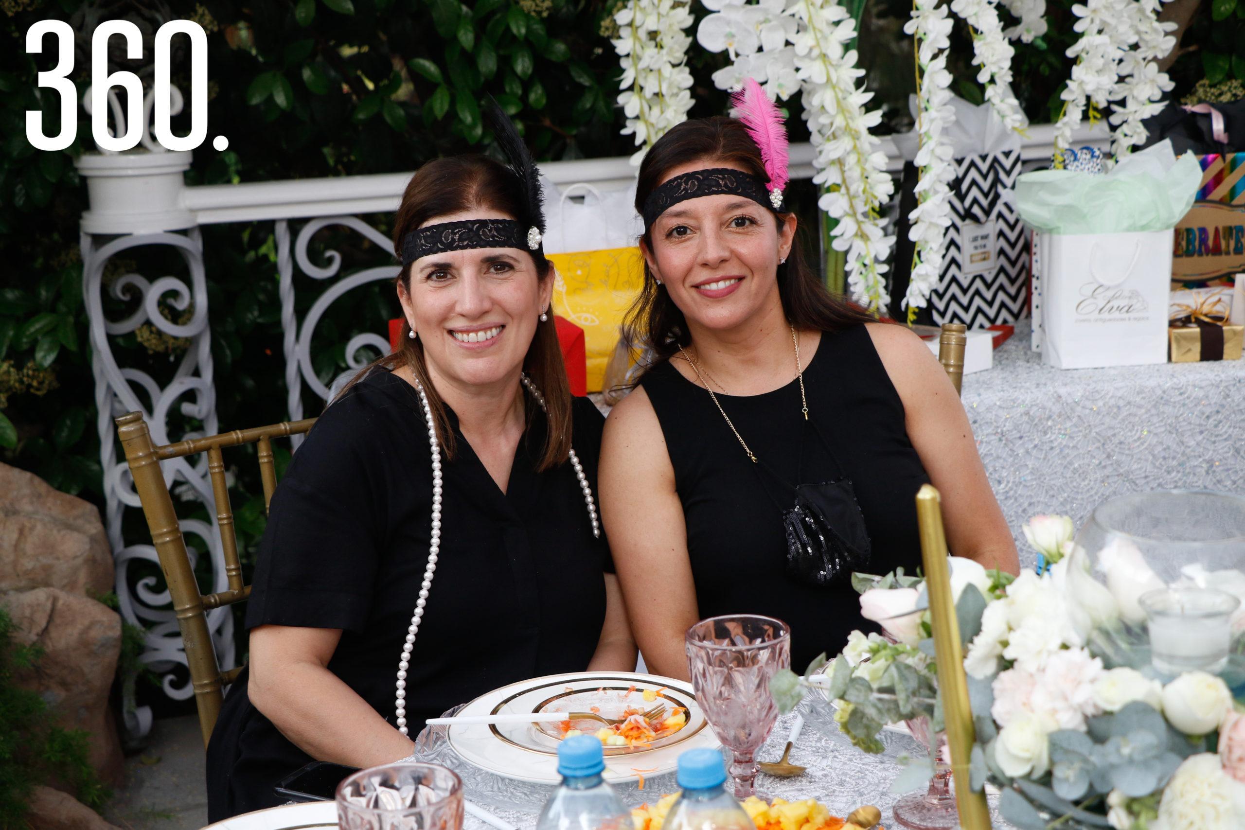 Martha César y Maryté Montes de Oca.