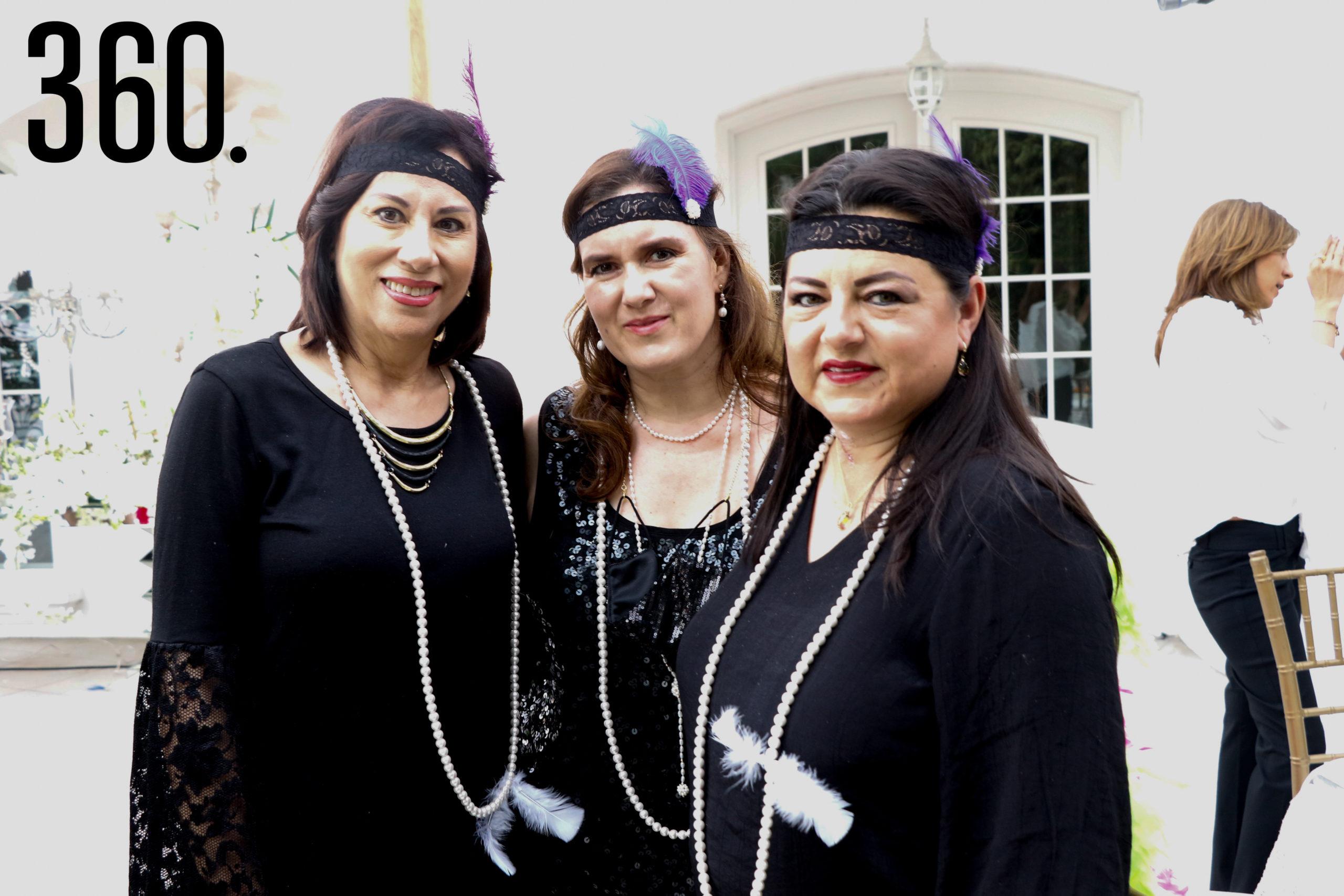 Carmen Sánchez, Lucero Dorbecker y Maricarmen Sánchez.