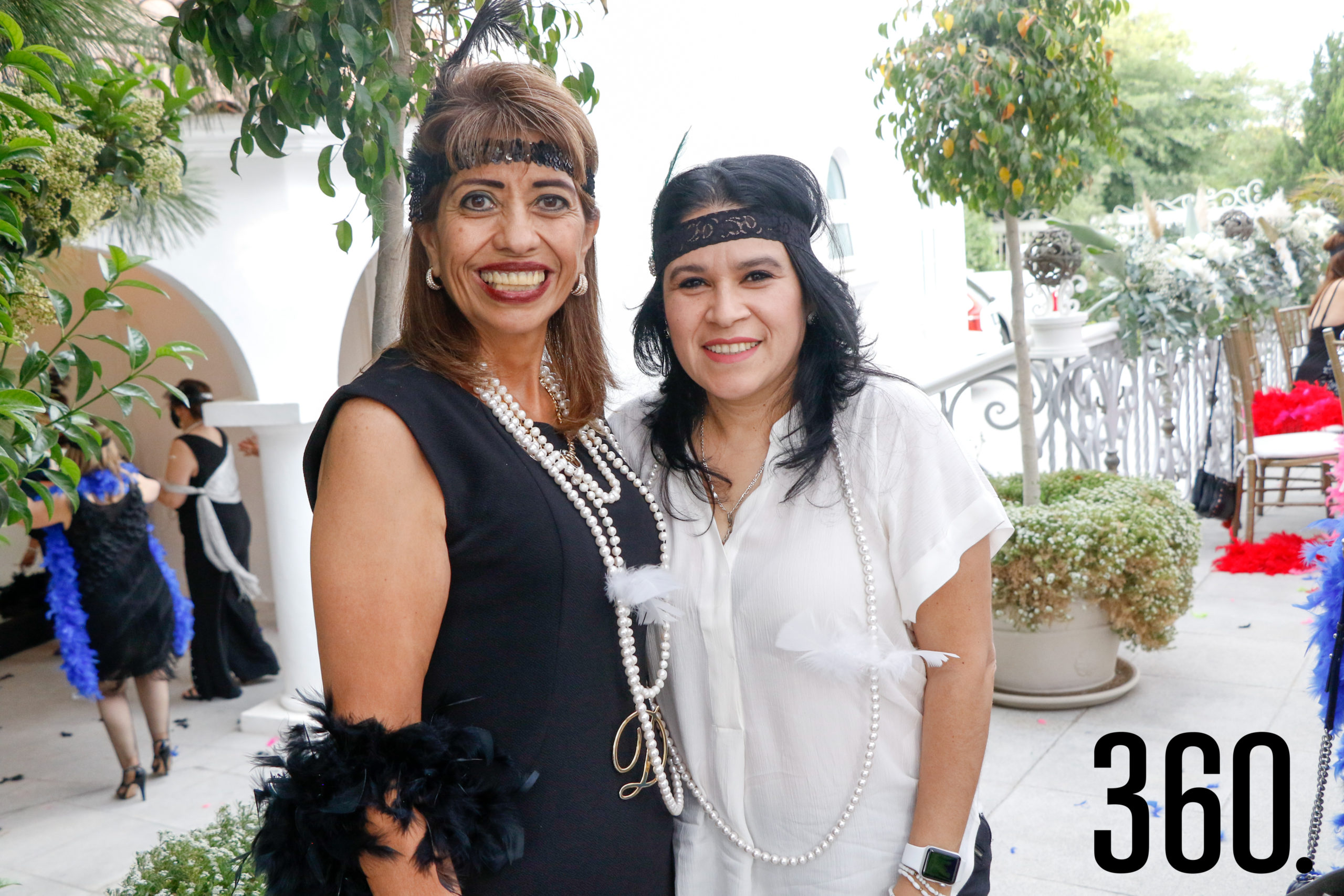 Doris García y Olga Martínez.