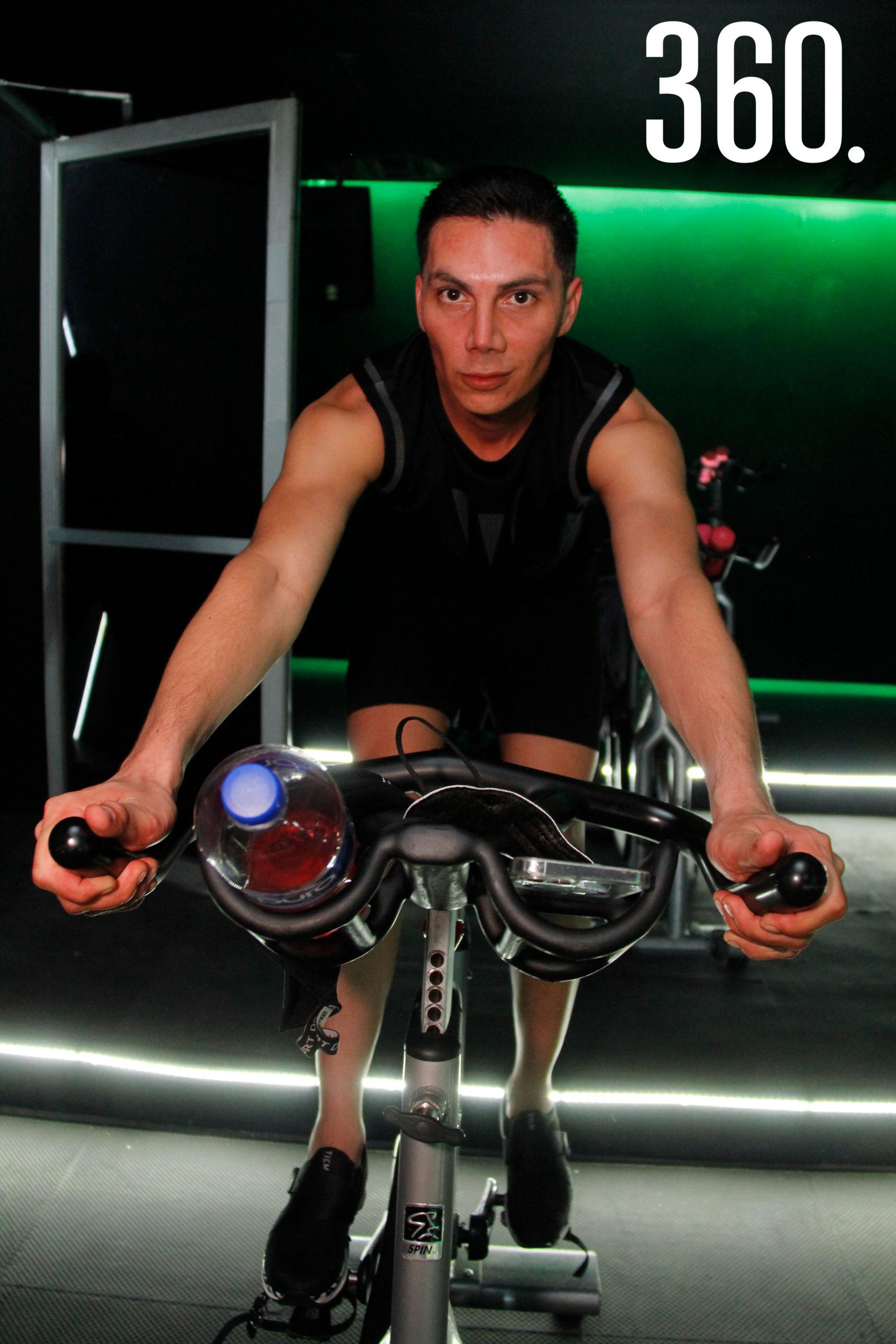 Tony Durón.