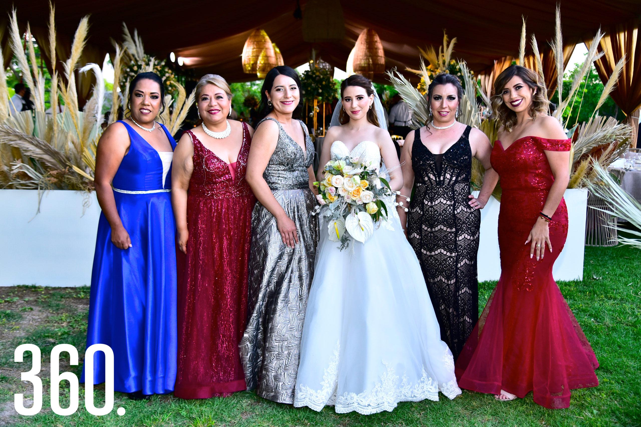 Karina Cerda, Lupita Gallegos, Daniely Ayala, Marycarmen Rodríguez, Elsa Gómez y Gloria Zúñiga.