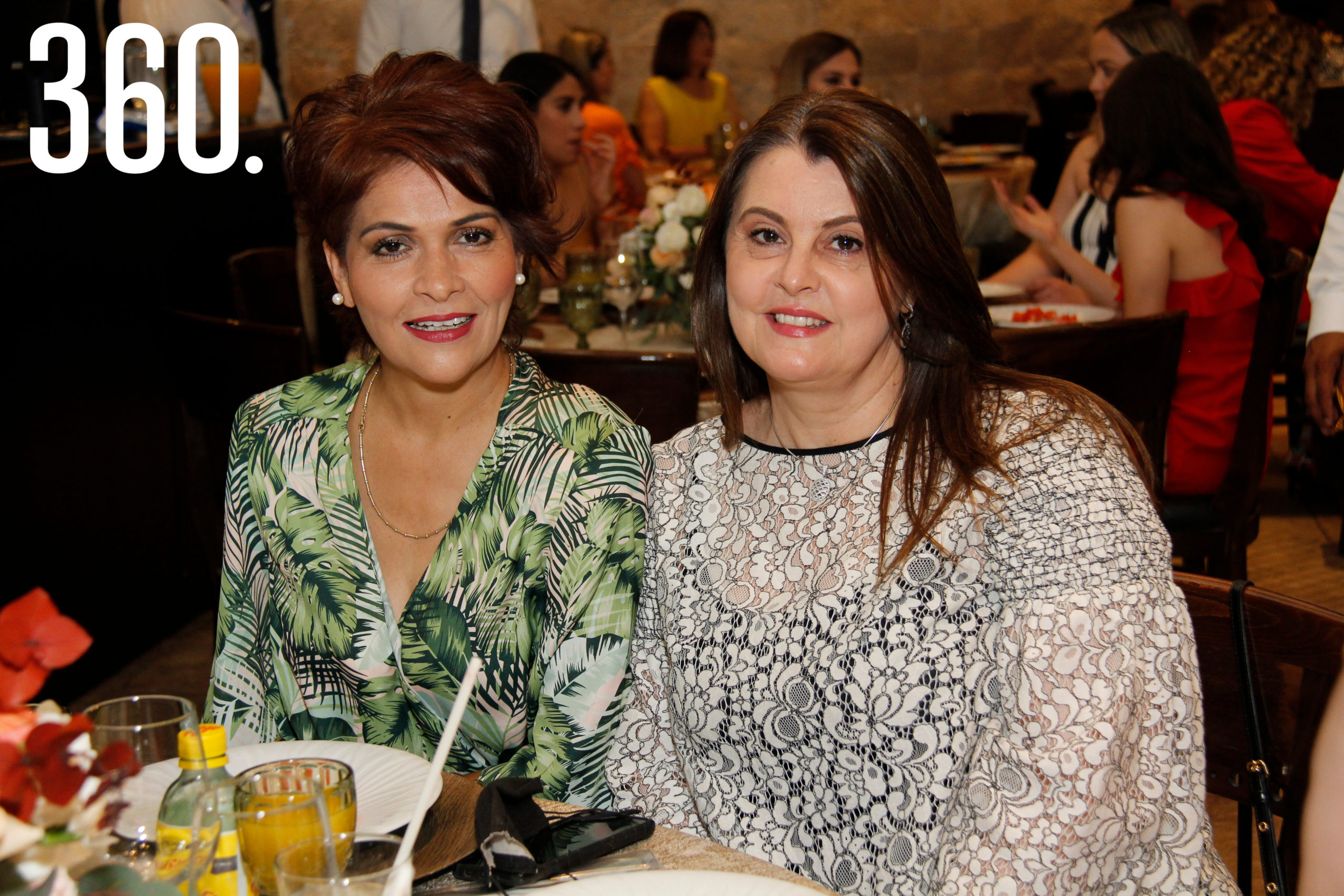 Ileana Ovalle y Magda Fuentes.