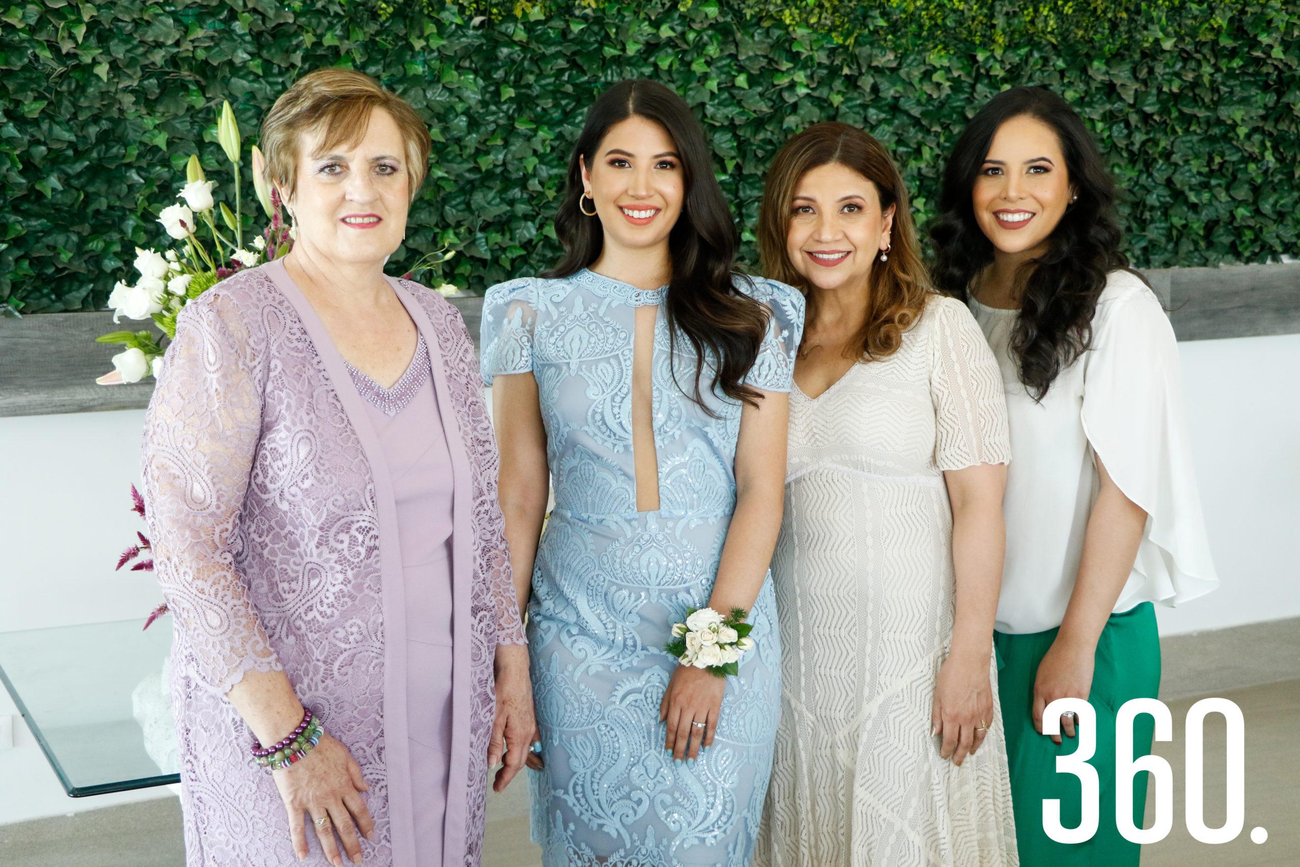 Ana con su suegra, madre y hermana, Gina Rodríguez, Paty Fernández y María Fernanda Tovar.