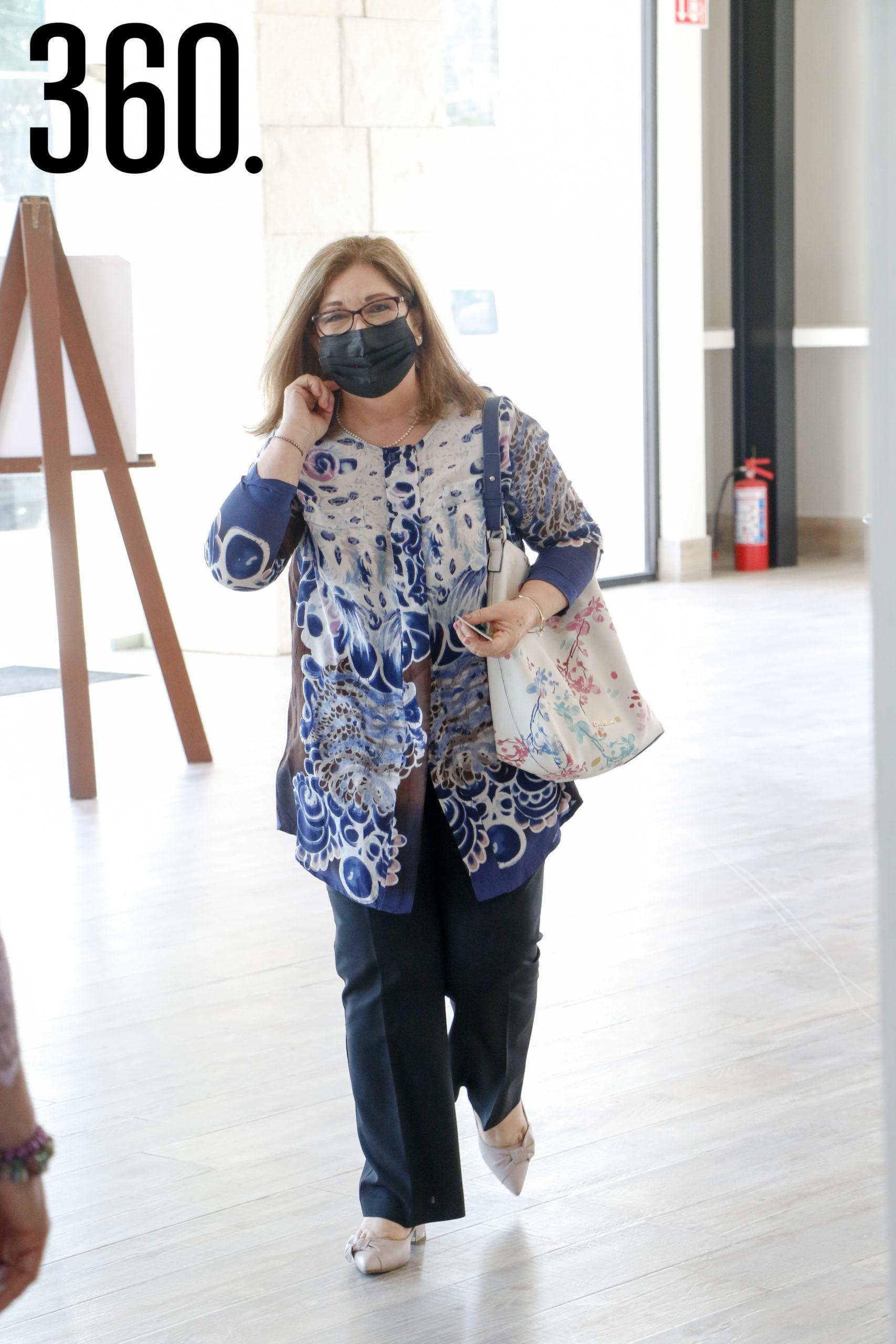 Anita Navejar.